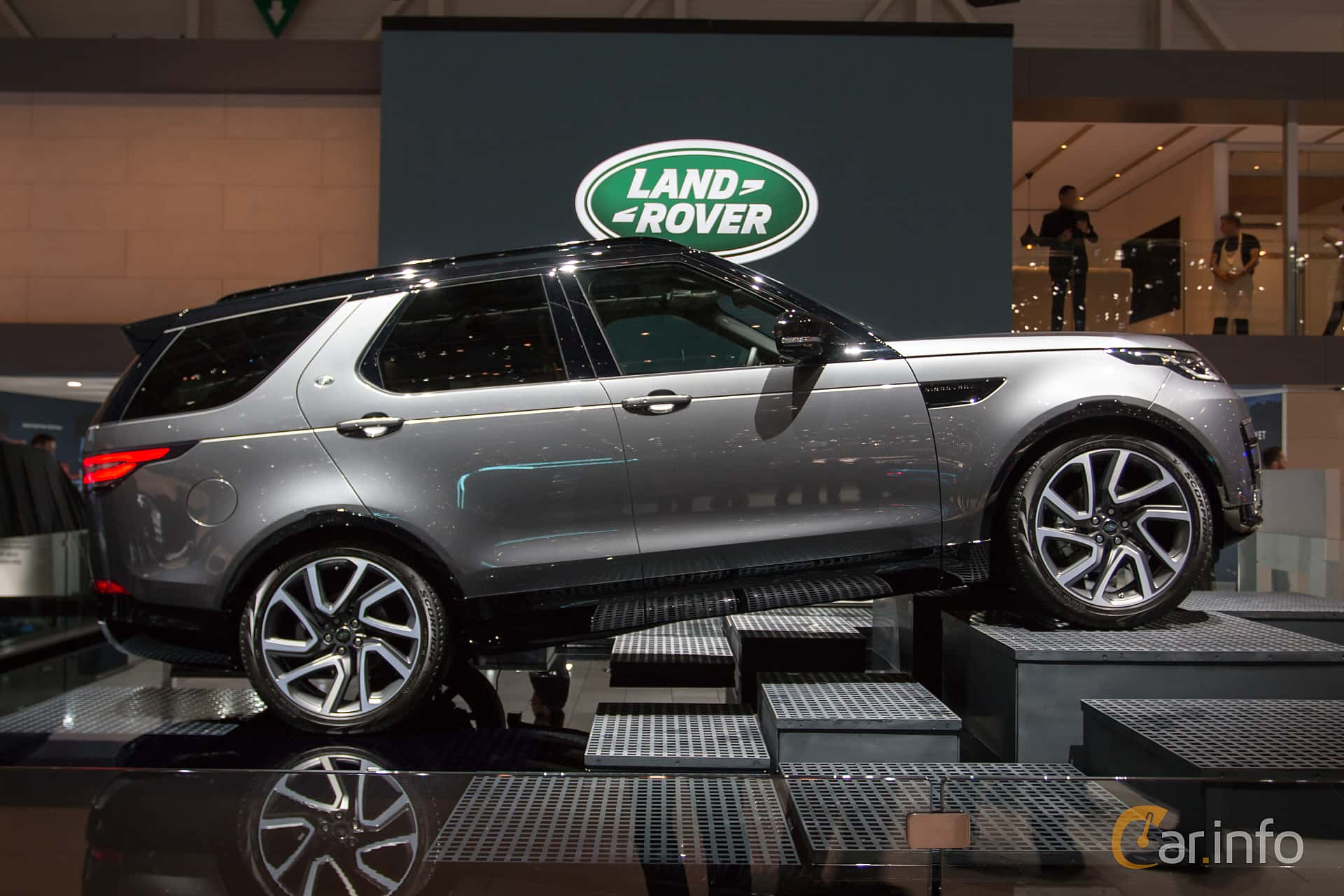 Land Rover Discovery >> Land Rover Discovery 2018 at Geneva Motor Show 2018