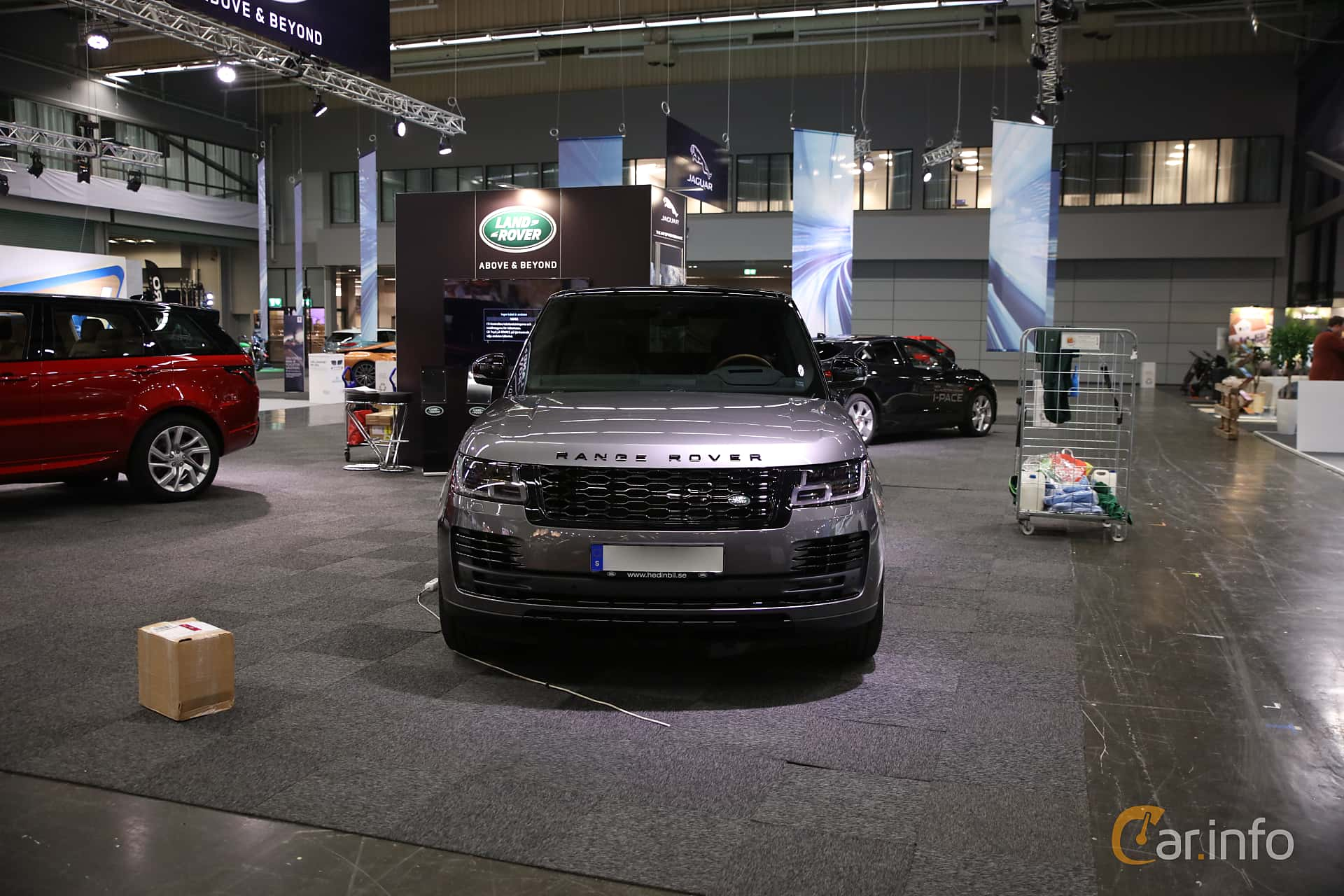 Front  of Land Rover Range Rover P400e 2.0 + 13.1 kWh 4WD Automatic, 404ps, 2019 at eCar Expo Göteborg 2018