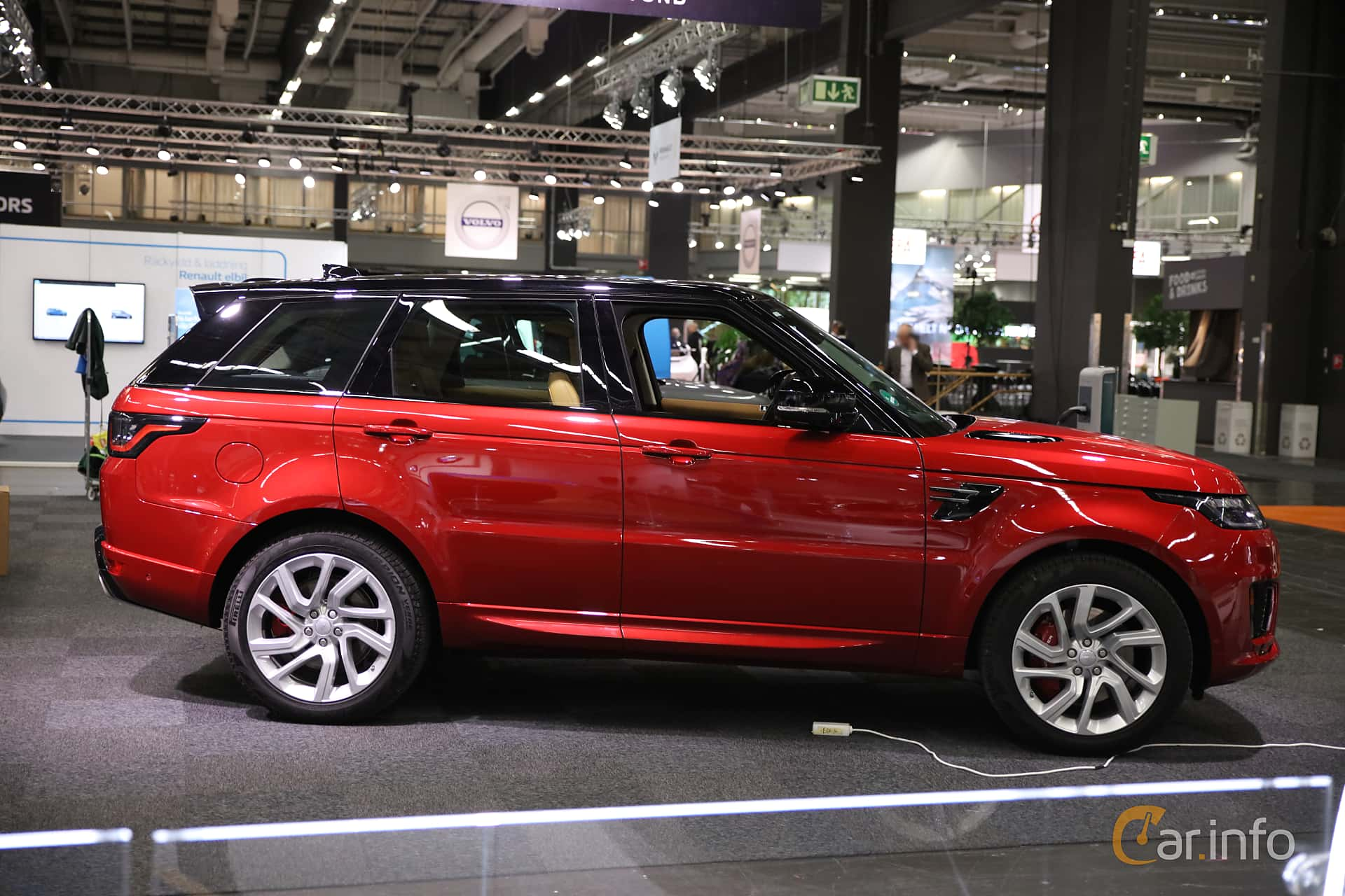 Side  of Land Rover Range Rover Sport P400e 2.0 + 13.1 kWh 4WD Automatic, 404ps, 2018 at eCar Expo Göteborg 2018