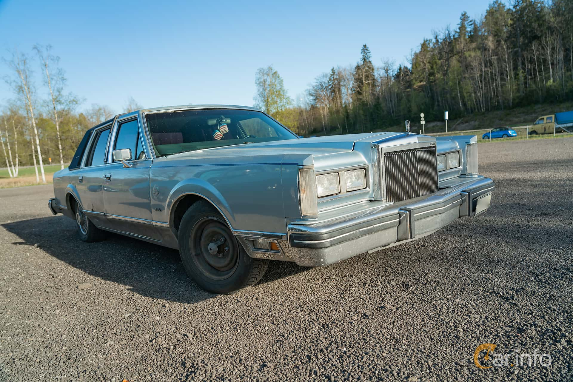 Lincoln Town Car 4-dörrar 4.9 V8 Automatisk, 142hk, 1984 at Lissma Classic Car 2019 vecka 20
