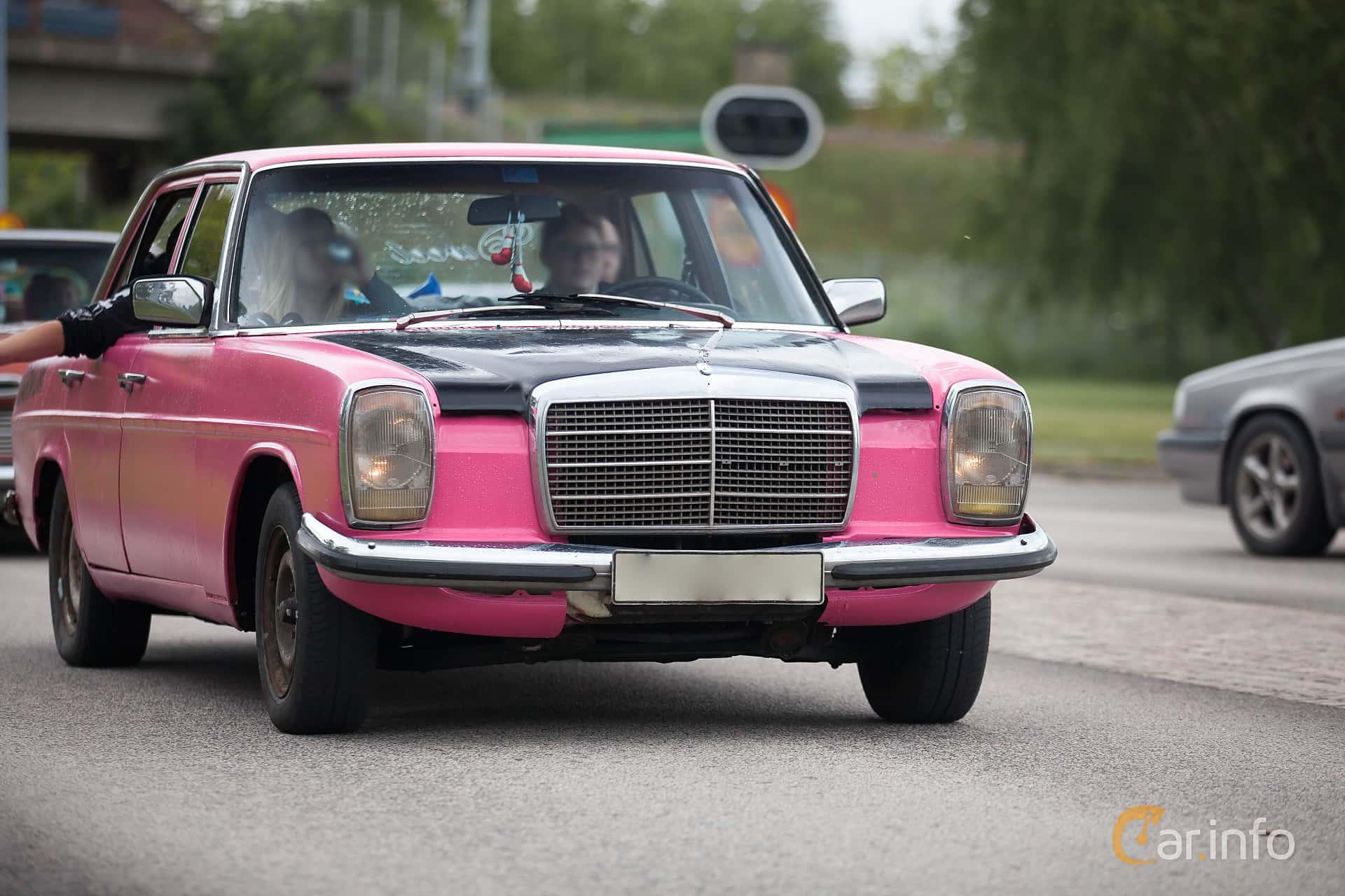 Mercedes benz 240 d 3 0 w114 w115 for Mercedes benz 240