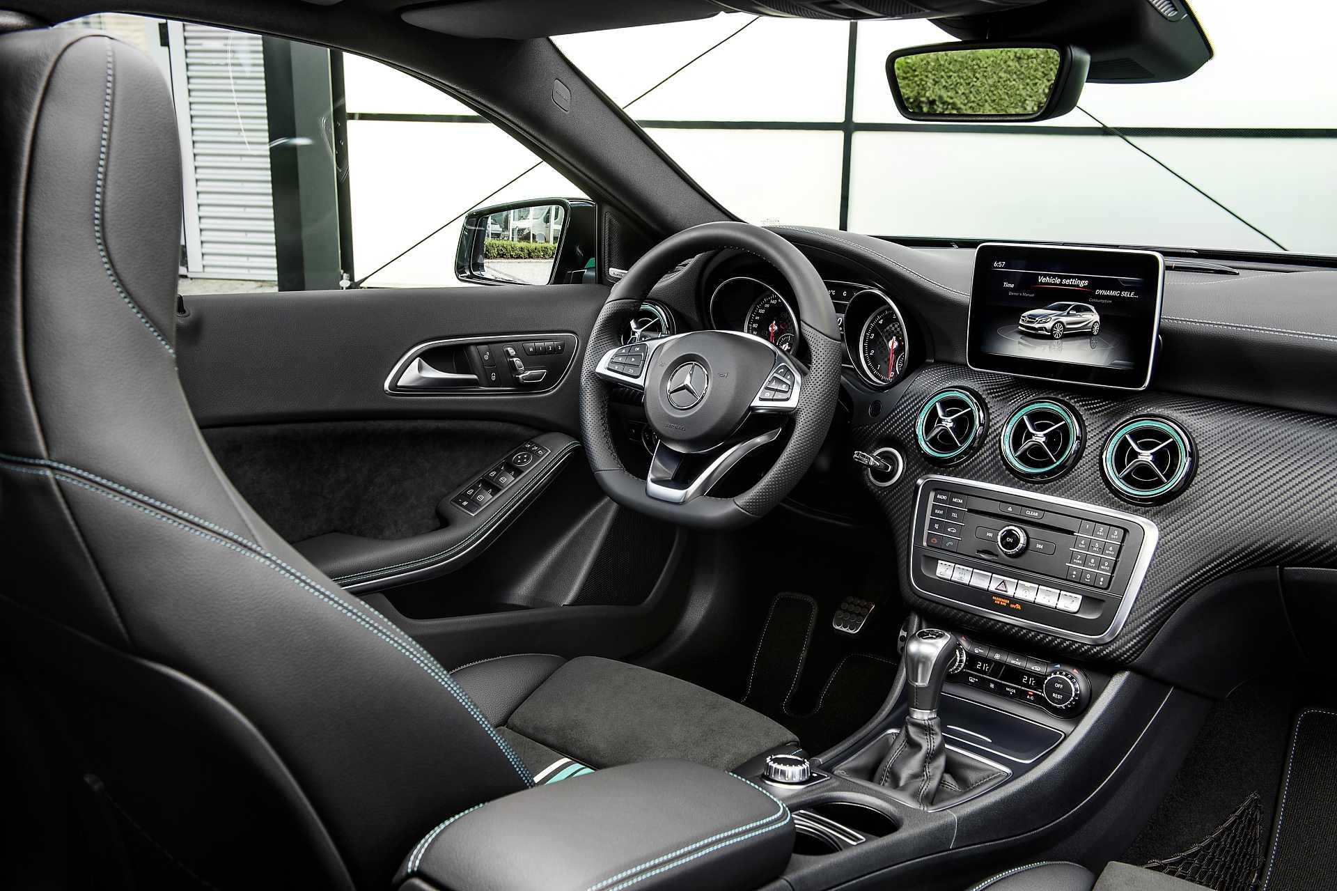 https://s.car.info/image_files/1920/mercedes-benz-a-class-5-door-interior-0-192404.jpg
