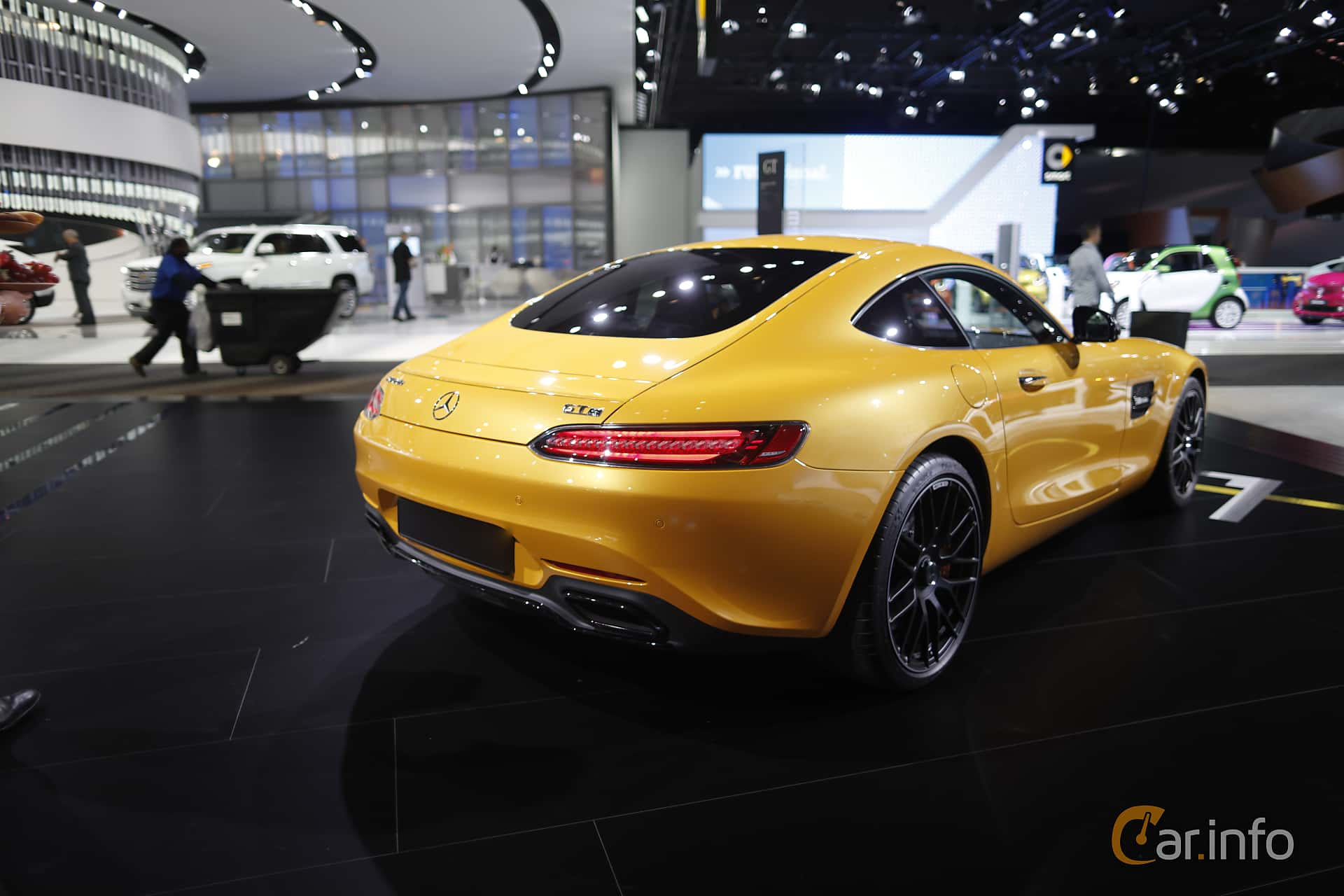 Bak/Sida av Mercedes-Benz AMG GT S 4.0 V8 AMG Speedshift DCT, 510ps, 375kW, 2017 på North American International Auto Show 2017