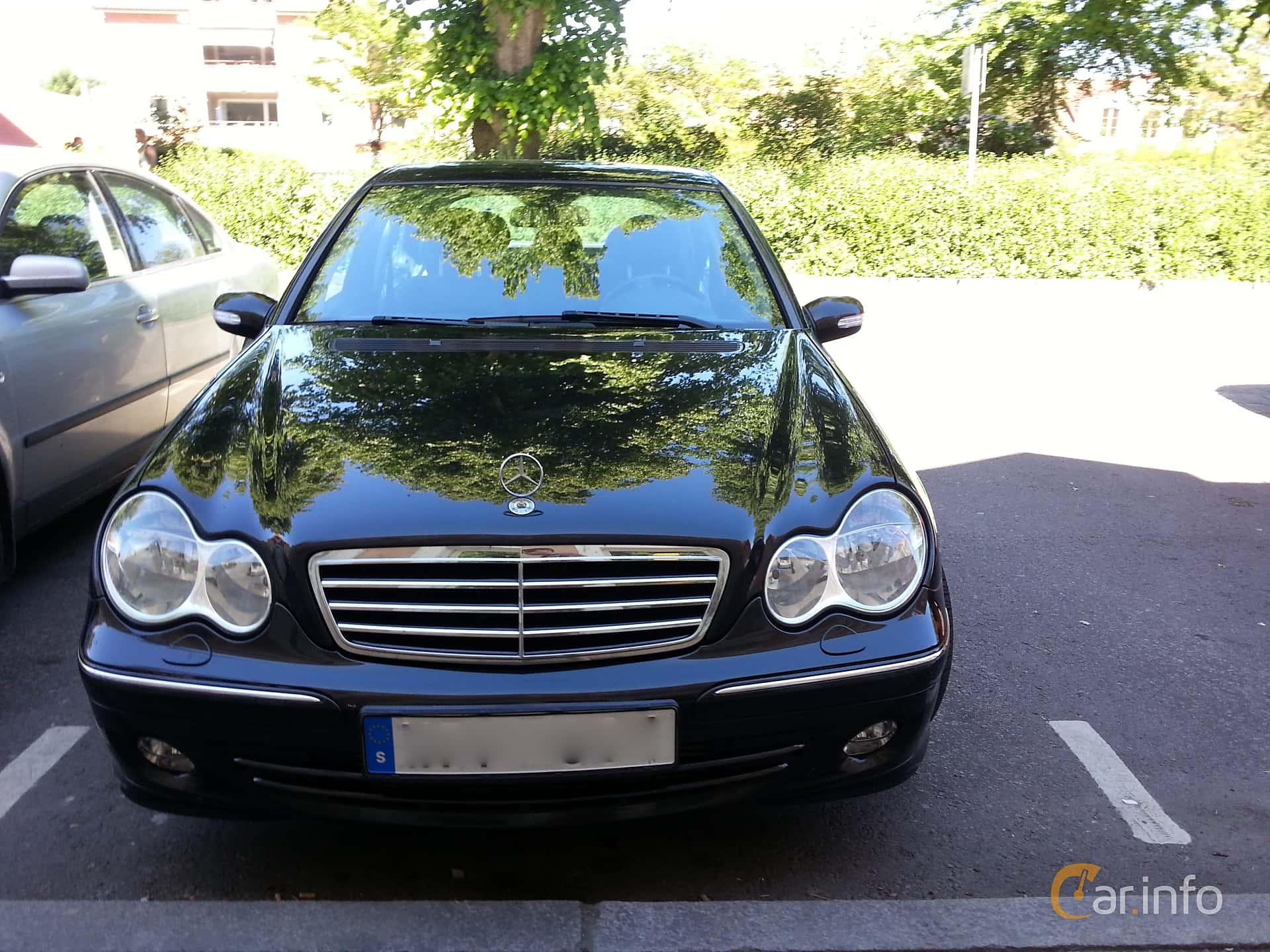 Front of Mercedes-Benz C 180 Kompressor Manual, 143ps, 2005