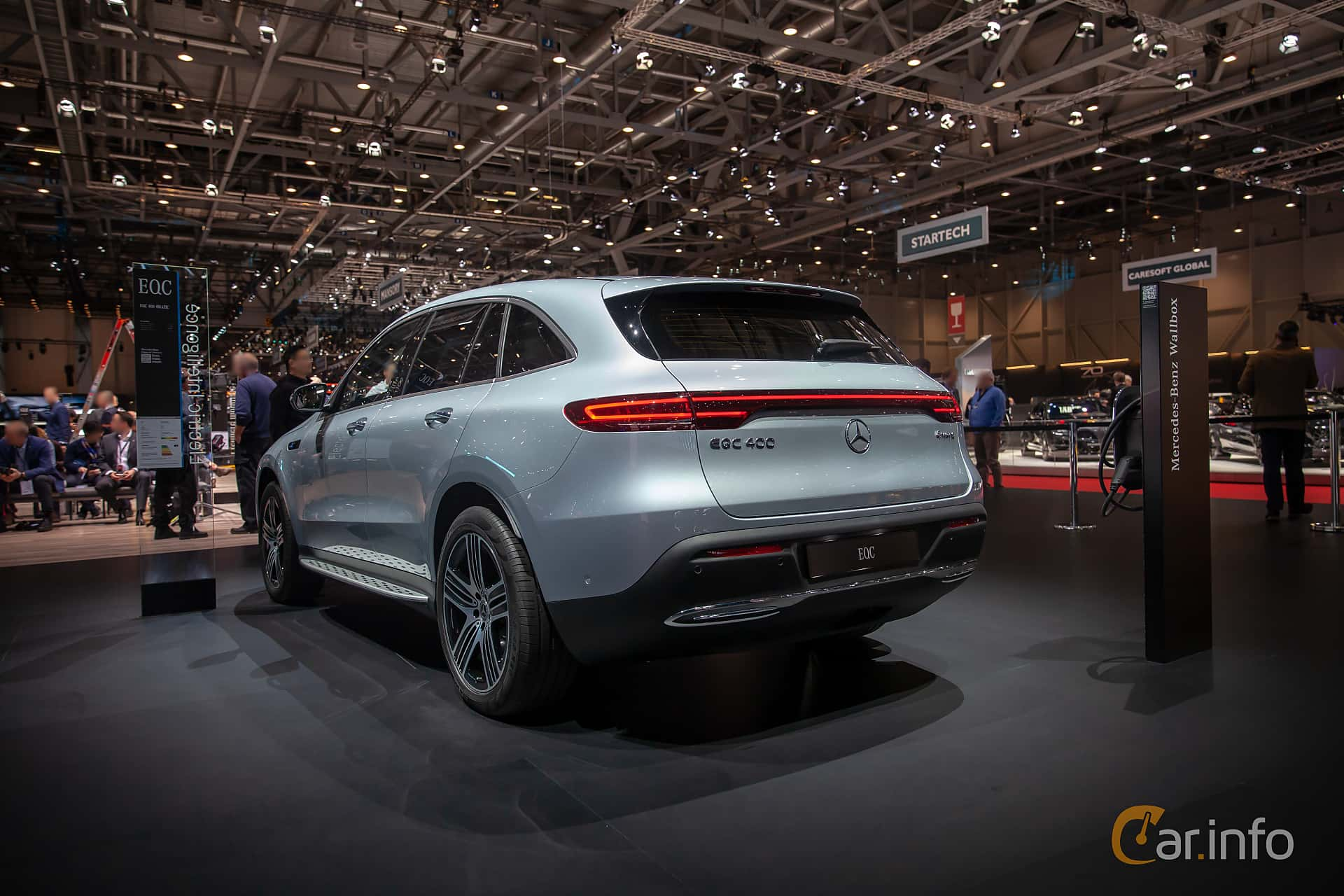 Bak/Sida av Mercedes-Benz EQC 400  Single Speed, 408ps, 2019 på Geneva Motor Show 2019