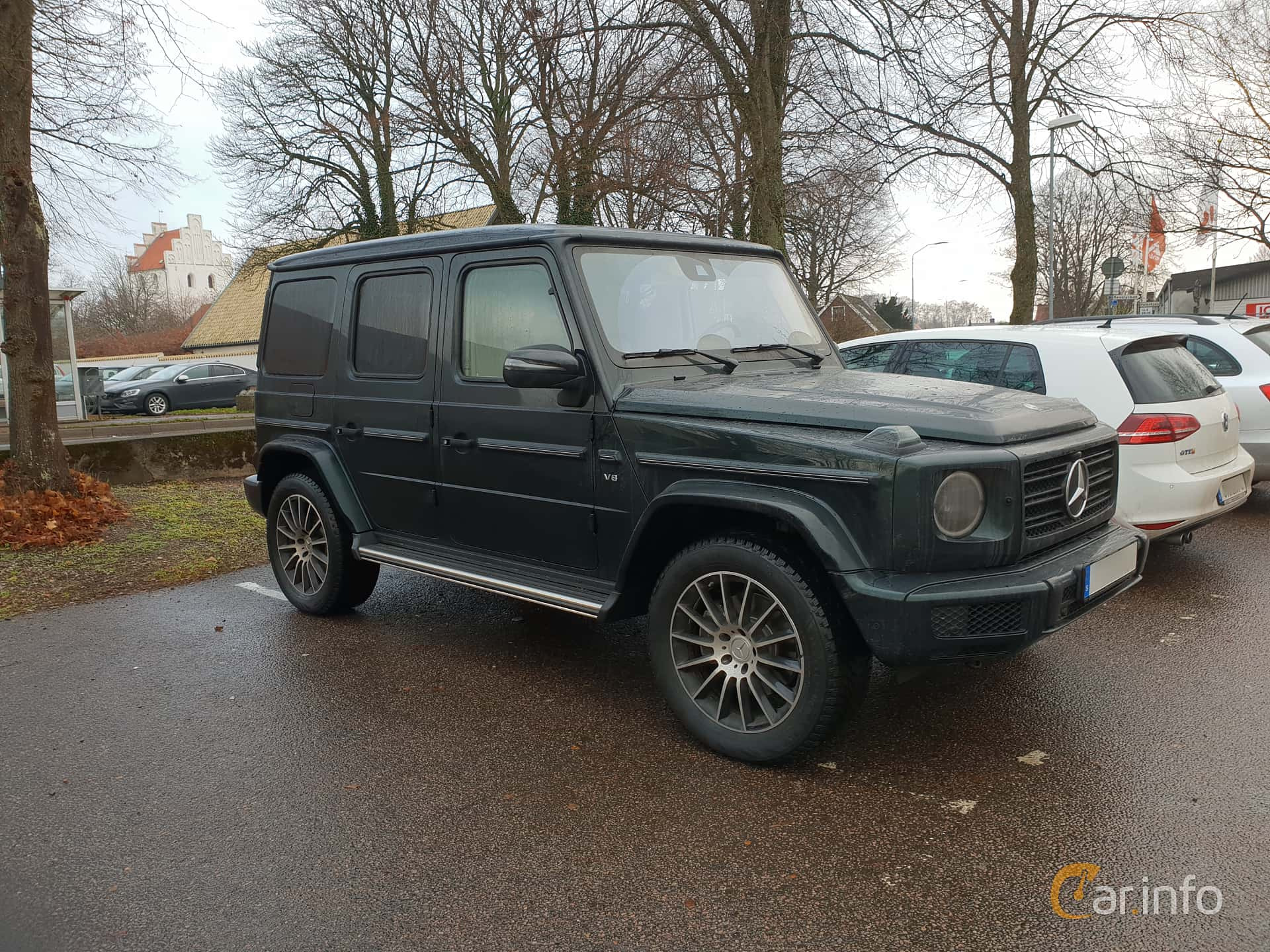 Front/Side  of Mercedes-Benz G 500  9G-Tronic, 421ps, 2019