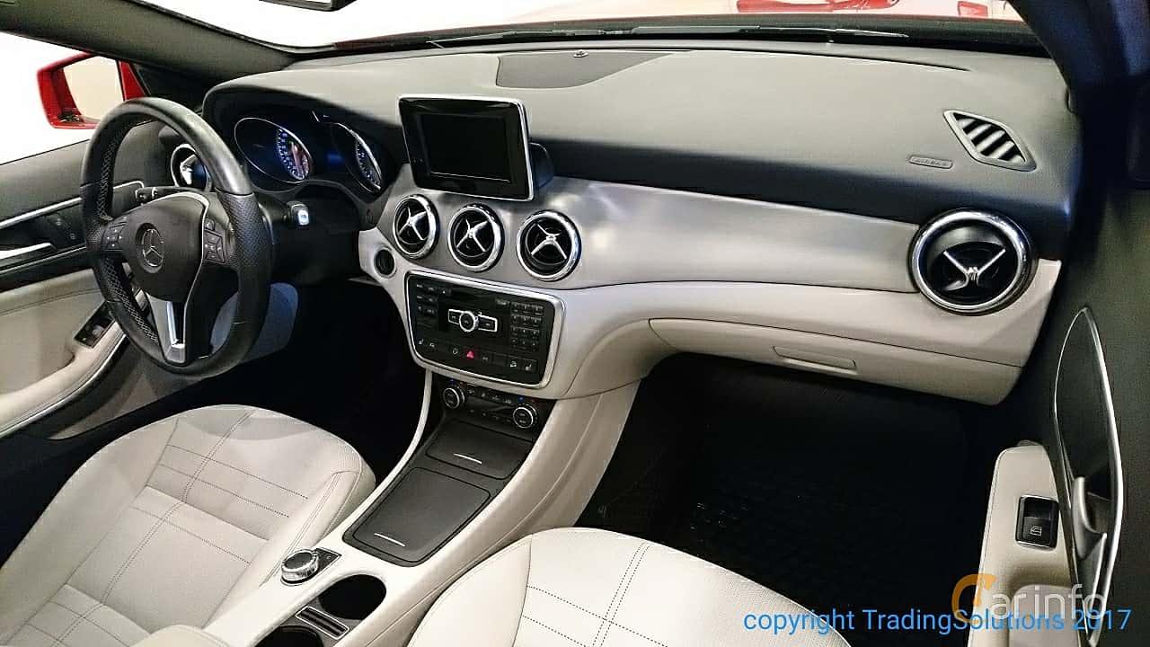 Interior of Mercedes-Benz GLA 220 CDI 4MATIC 2.2 4MATIC 7G-DCT ...
