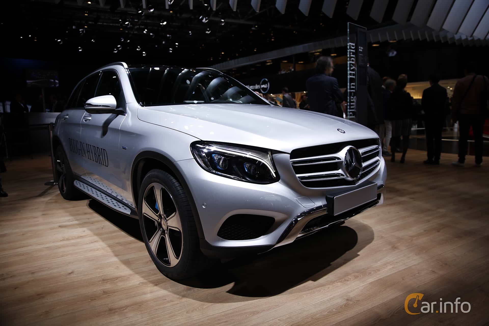 5 images of mercedes benz glc 350 e 4matic 2 0 4matic 7g for 2014 mercedes benz glc