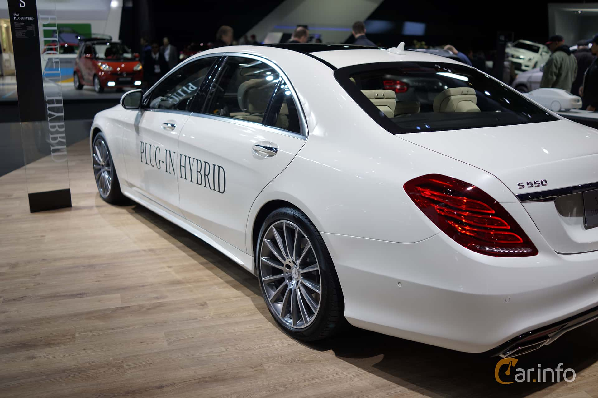 2 images of Mercedes-Benz S 500 PLUG-IN Hybrid 7G-Tronic
