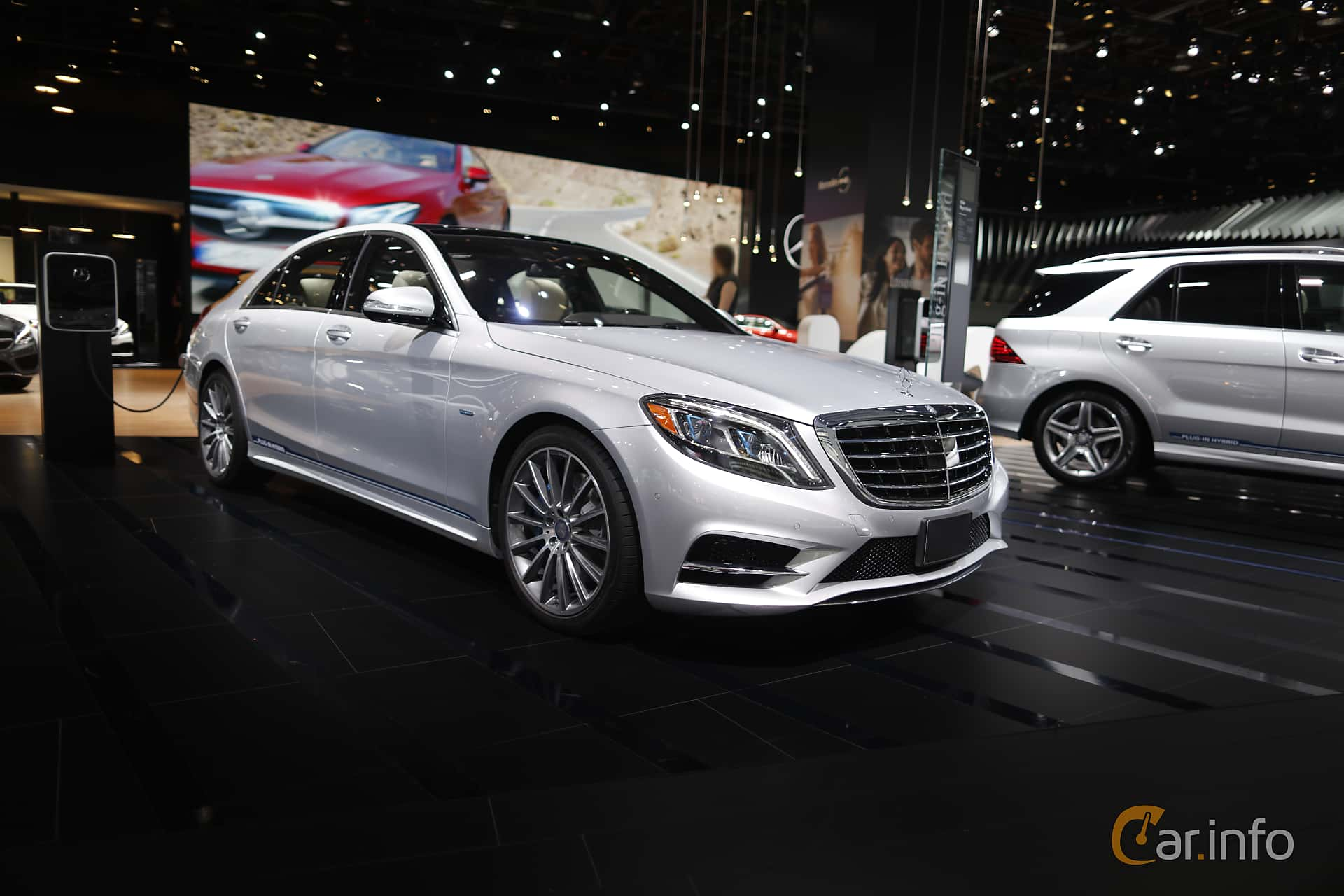 Front/Side  of Mercedes-Benz S 500 e L 3.0 V6 7G-Tronic Plus, 442ps, 2017 at North American International Auto Show 2017