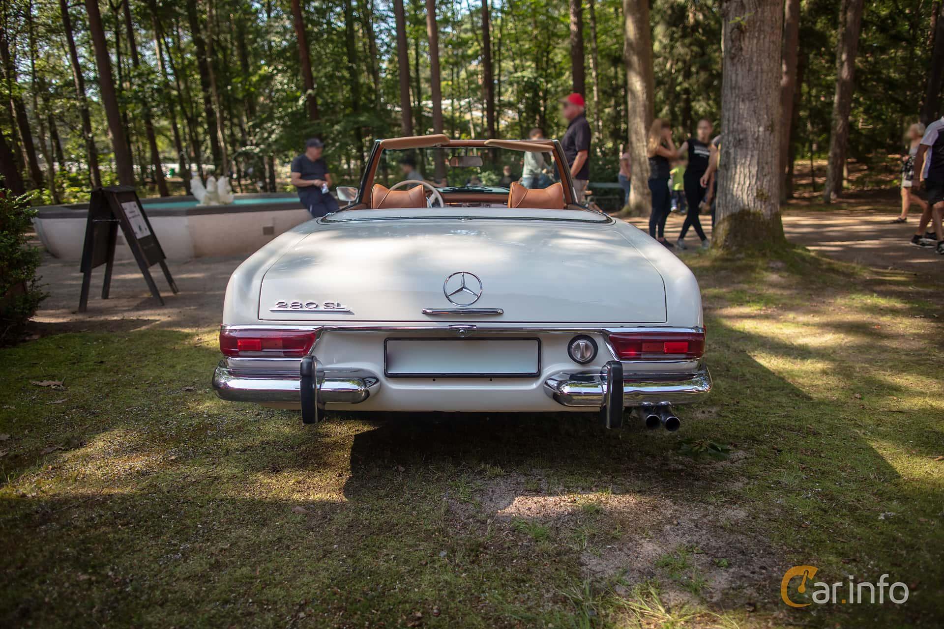Mercedes-Benz 280 SL  Manual, 170hp, 1969 at Lergöksträffen Ängelholm 2019