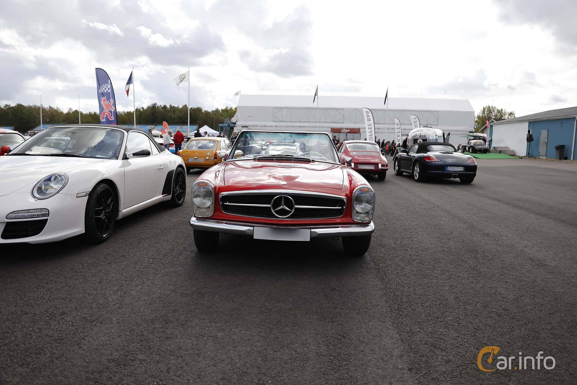 Mercedes-Benz 230 SL  Manual, 150hp, 1965 at Nostalgia Racing Days / Mantorp Classic Festi 2018