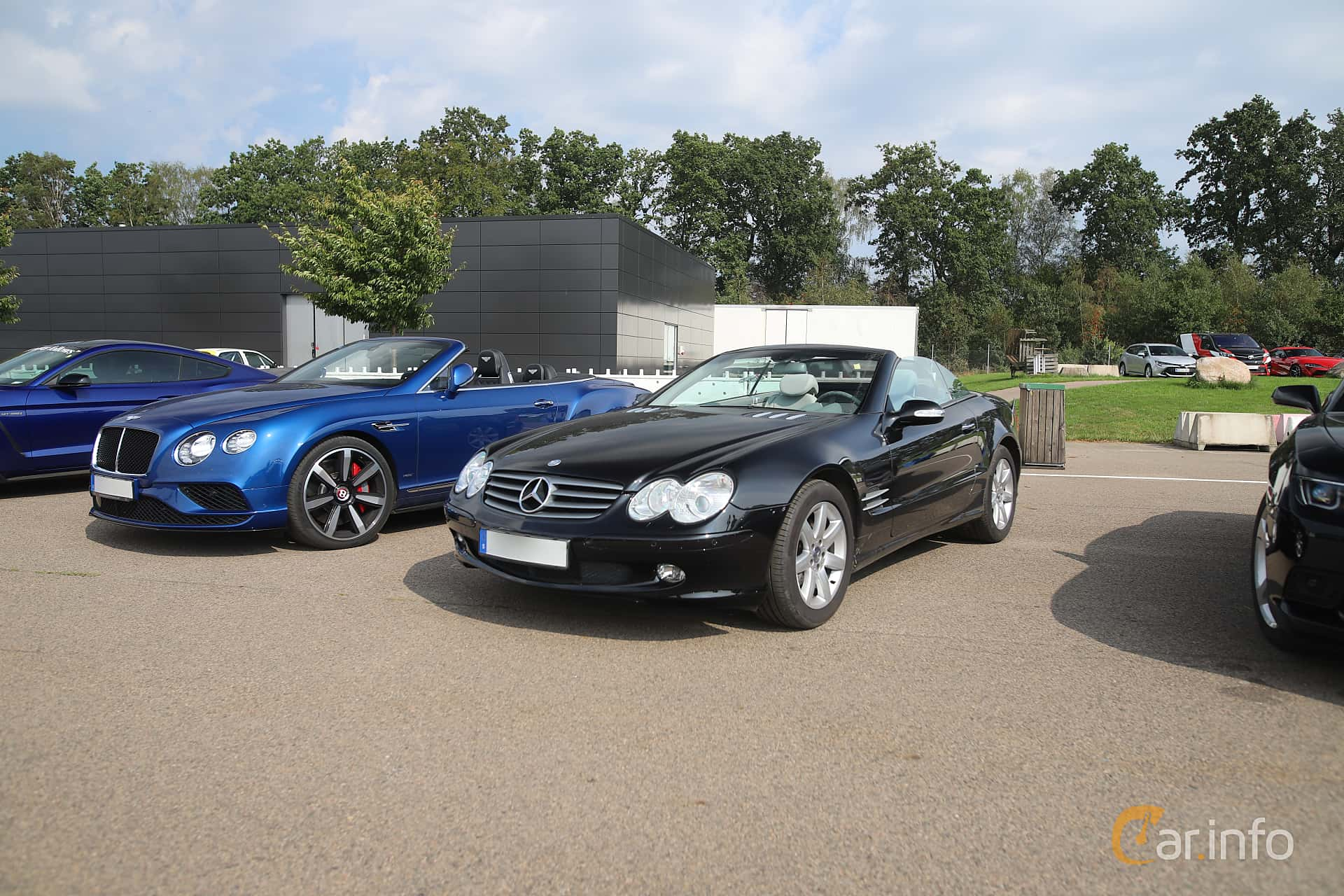 Front/Side  of Mercedes-Benz SL 350  5G-Tronic, 245ps, 2004 at Autoropa Racing day Knutstorp 2019