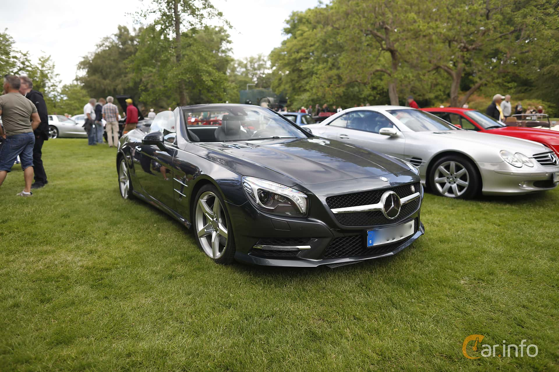 Front/Side  of Mercedes-Benz SL 500  7G-Tronic Plus, 435ps, 2013 at Sofiero Classic 2019