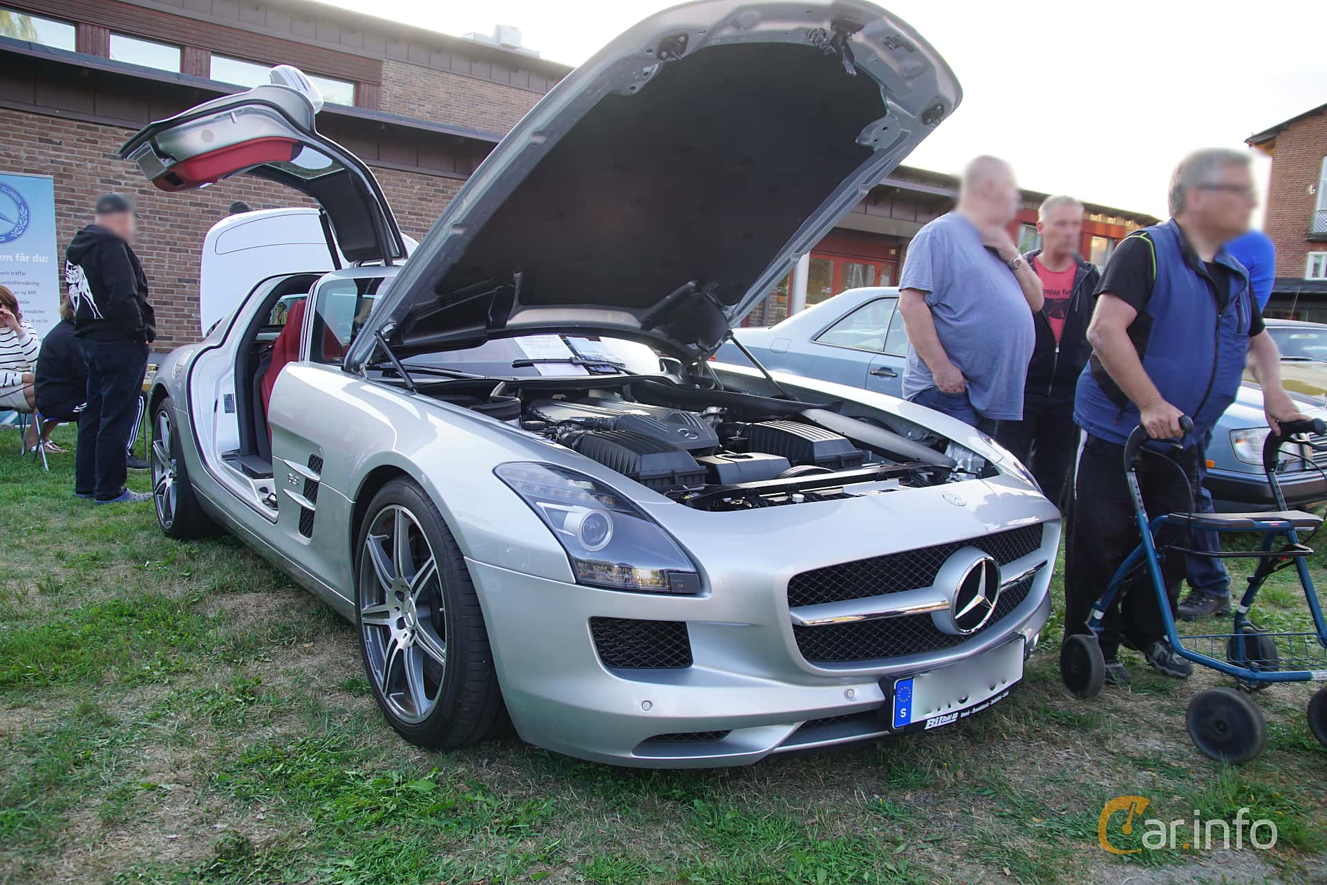 6 images of Mercedes Benz SLS AMG Coupé AMG Speedshift DCT 571hp
