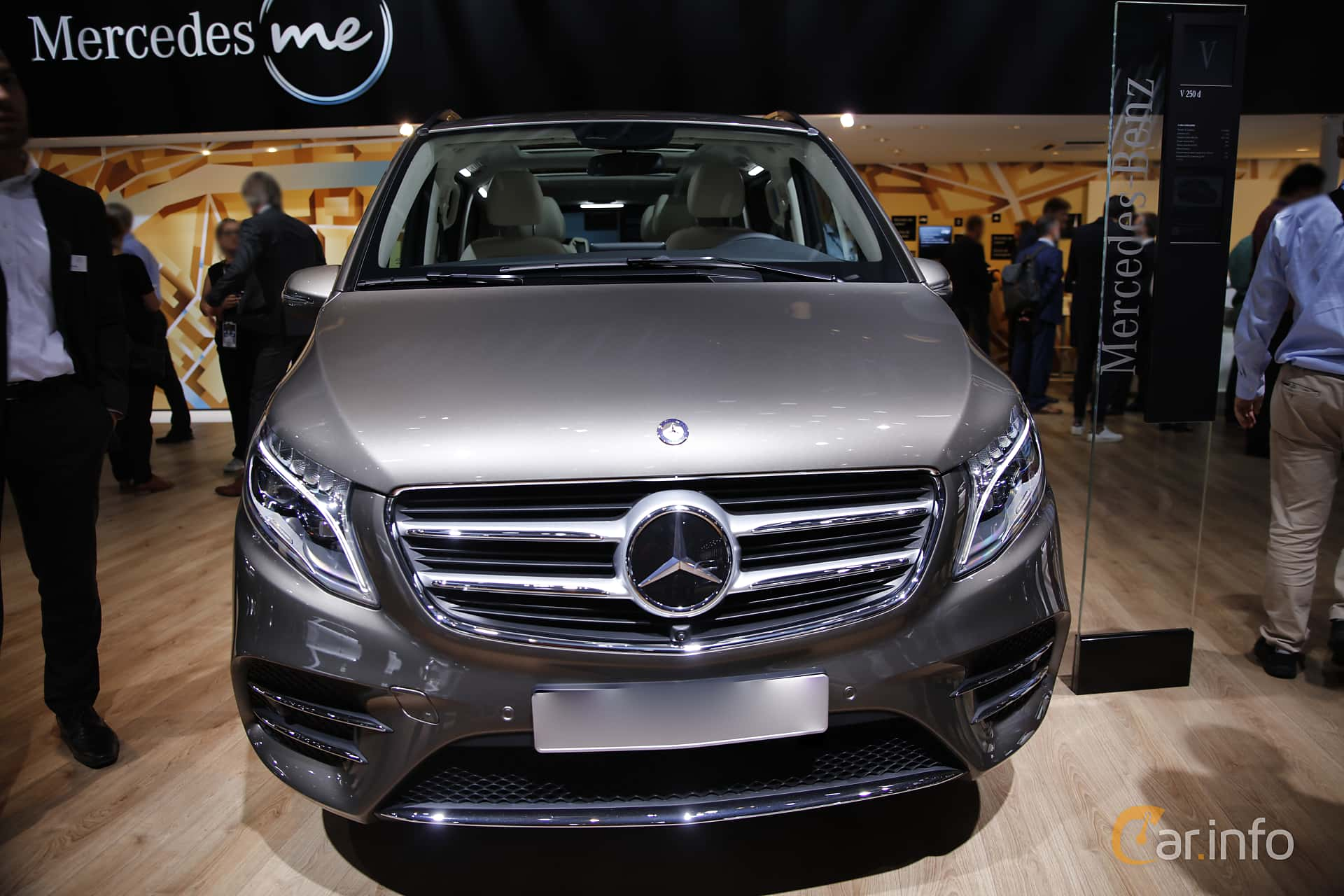 Mercedes benz v 250 d 2 2 7g tronic plus 190hp 2017 at for Mercedes benz viano