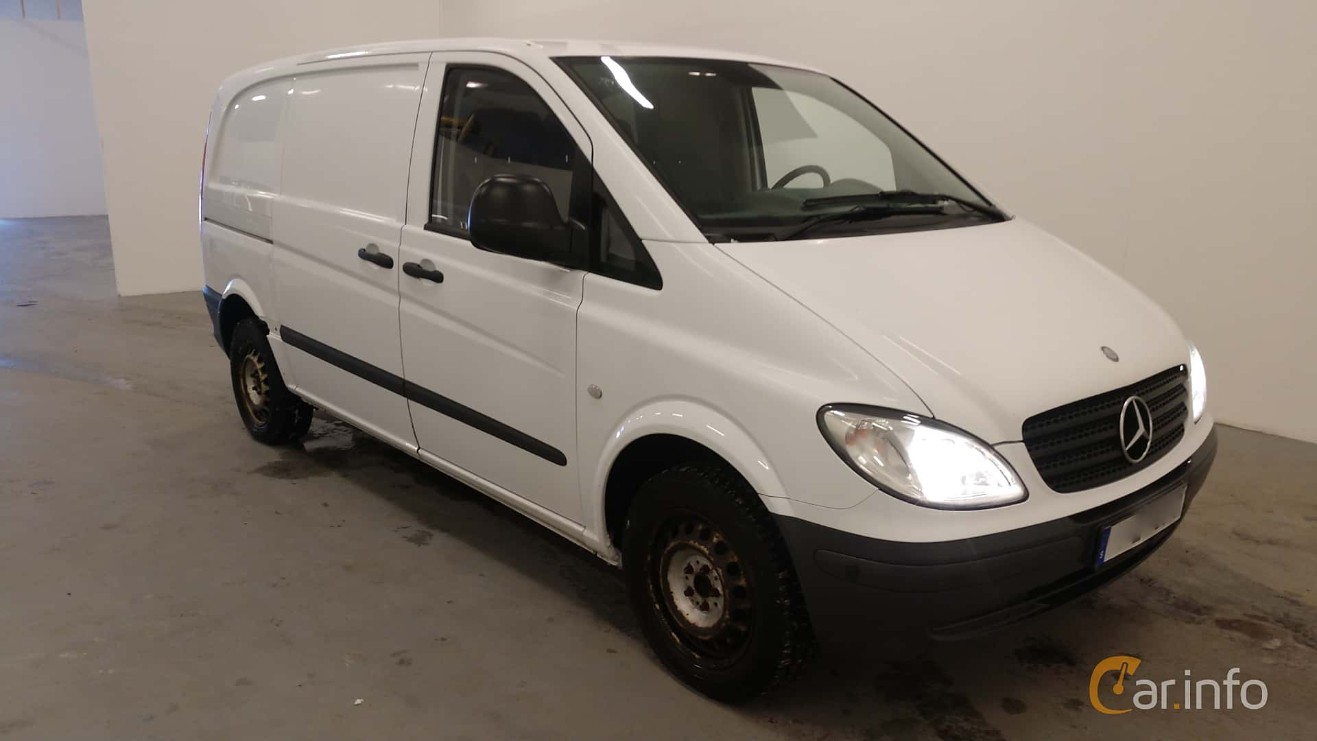 394bc8ac57 Front Side of Mercedes-Benz Vito 109 CDI Manual