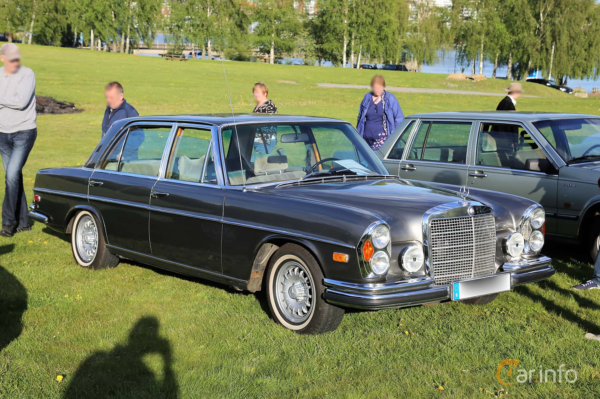 Front/Side  of Mercedes-Benz 300 SEL 3.5  Automatic, 200ps, 1972