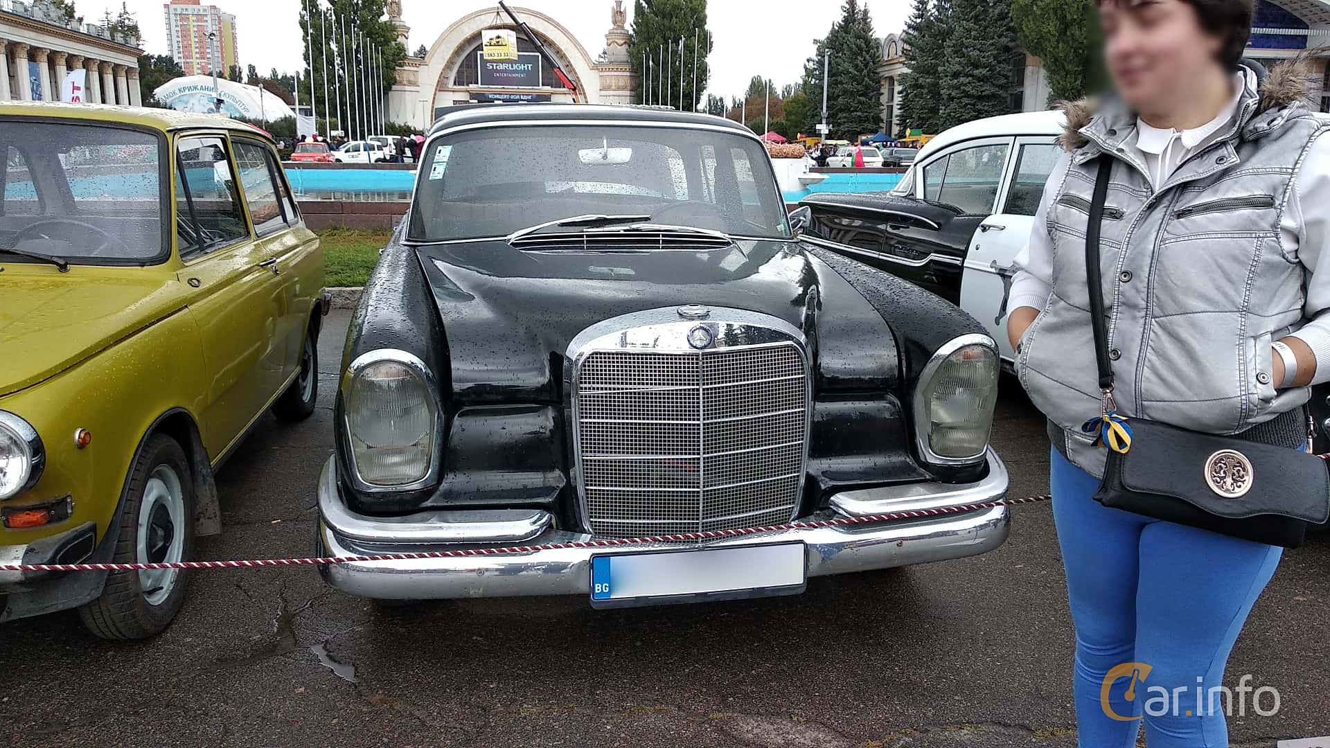 Front  of Mercedes-Benz W111 Sedan 1963 at Old Car Land no.2 2018