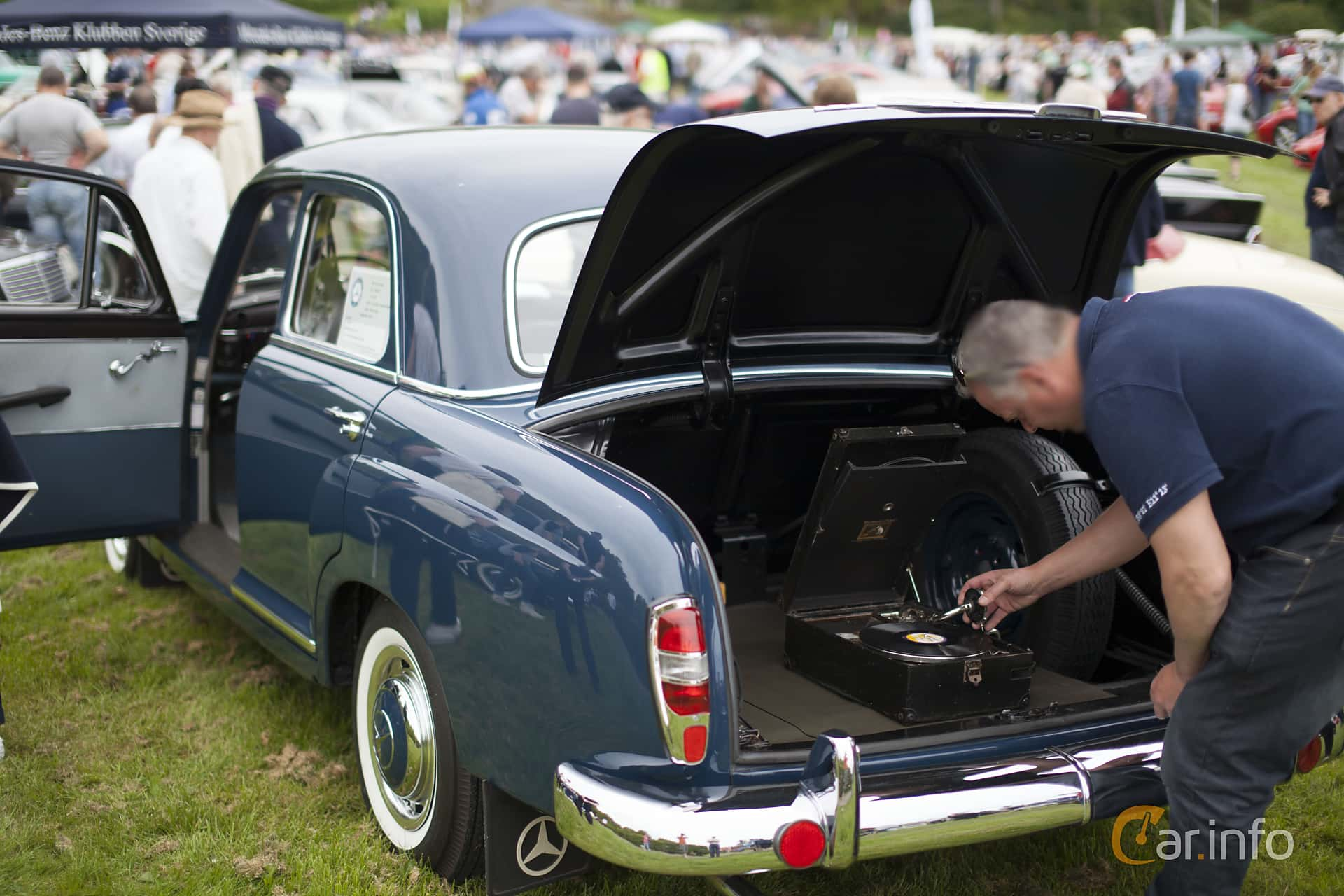 Mercedes-Benz 190  Manual, 80hp, 1960 at Tjolöholm Classic Motor 2014