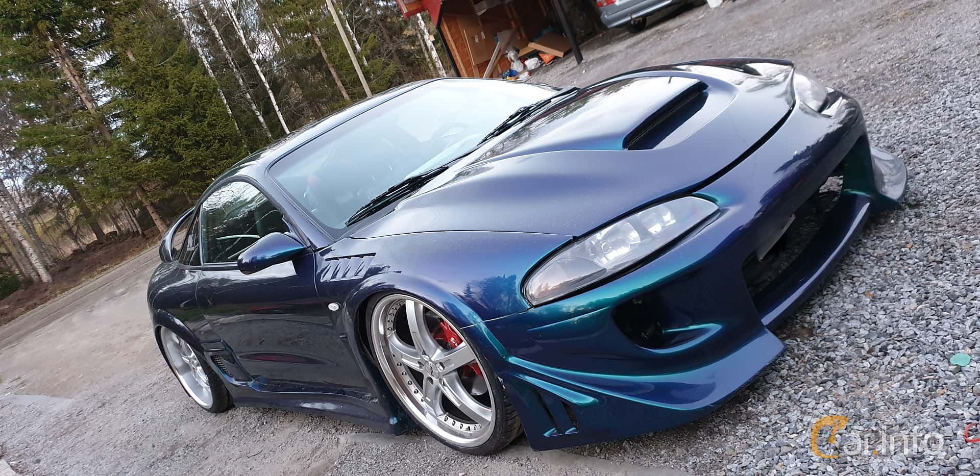 Front/Side  of Mitsubishi Eclipse 2.0 Manual, 214ps, 1997