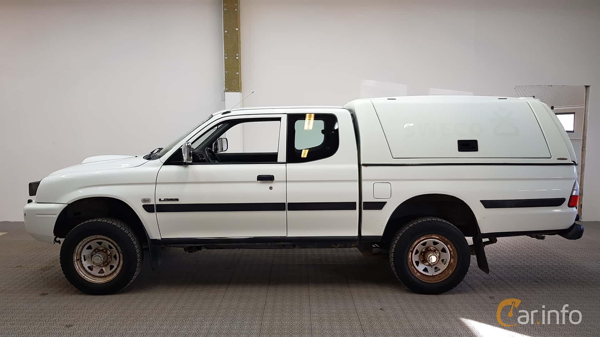 mitsubishi l200 club cab 2 4 manual 147hp 2000. Black Bedroom Furniture Sets. Home Design Ideas