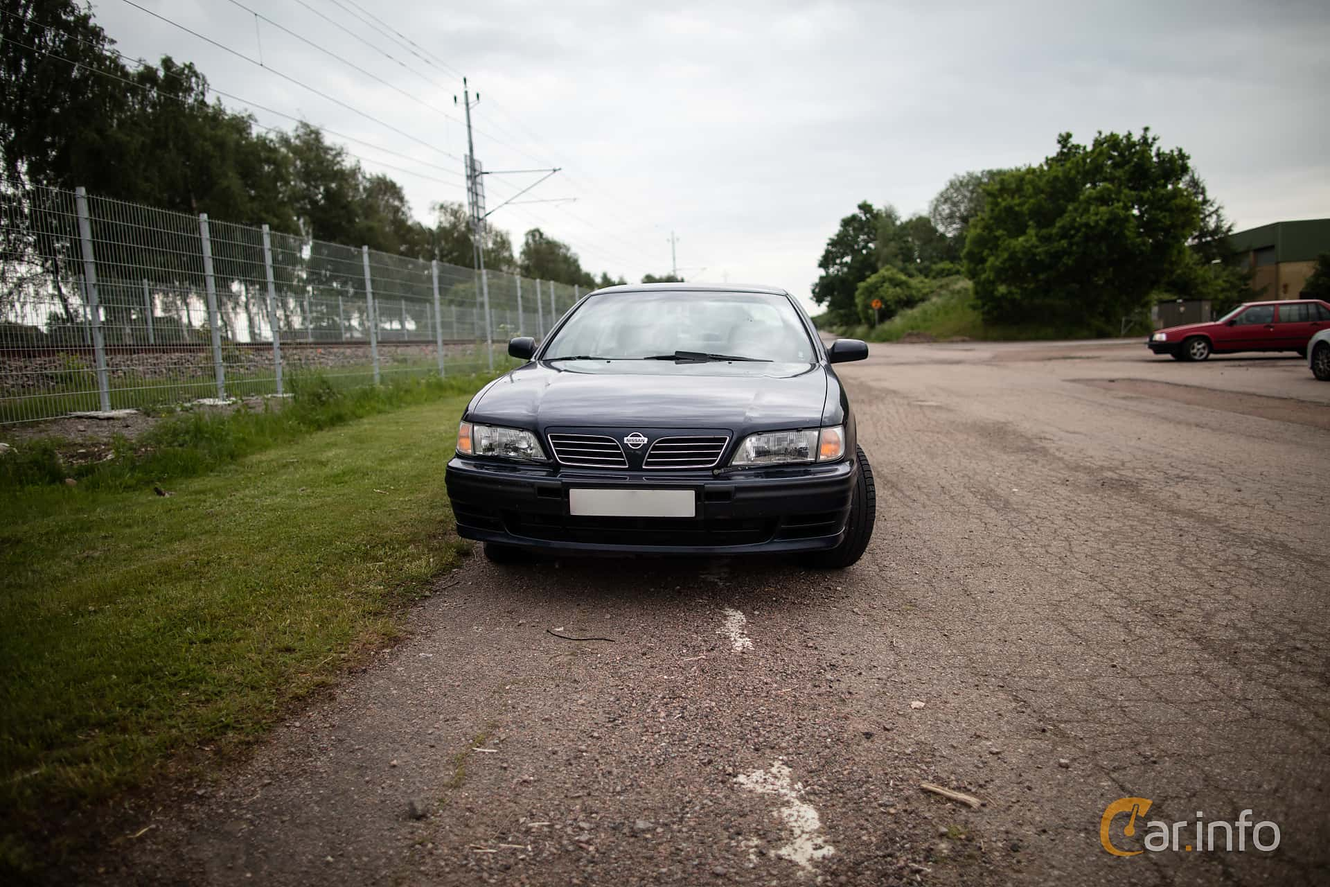 5 images of Nissan Maxima 2 0 V6 Manual, 140hp, 1995 by