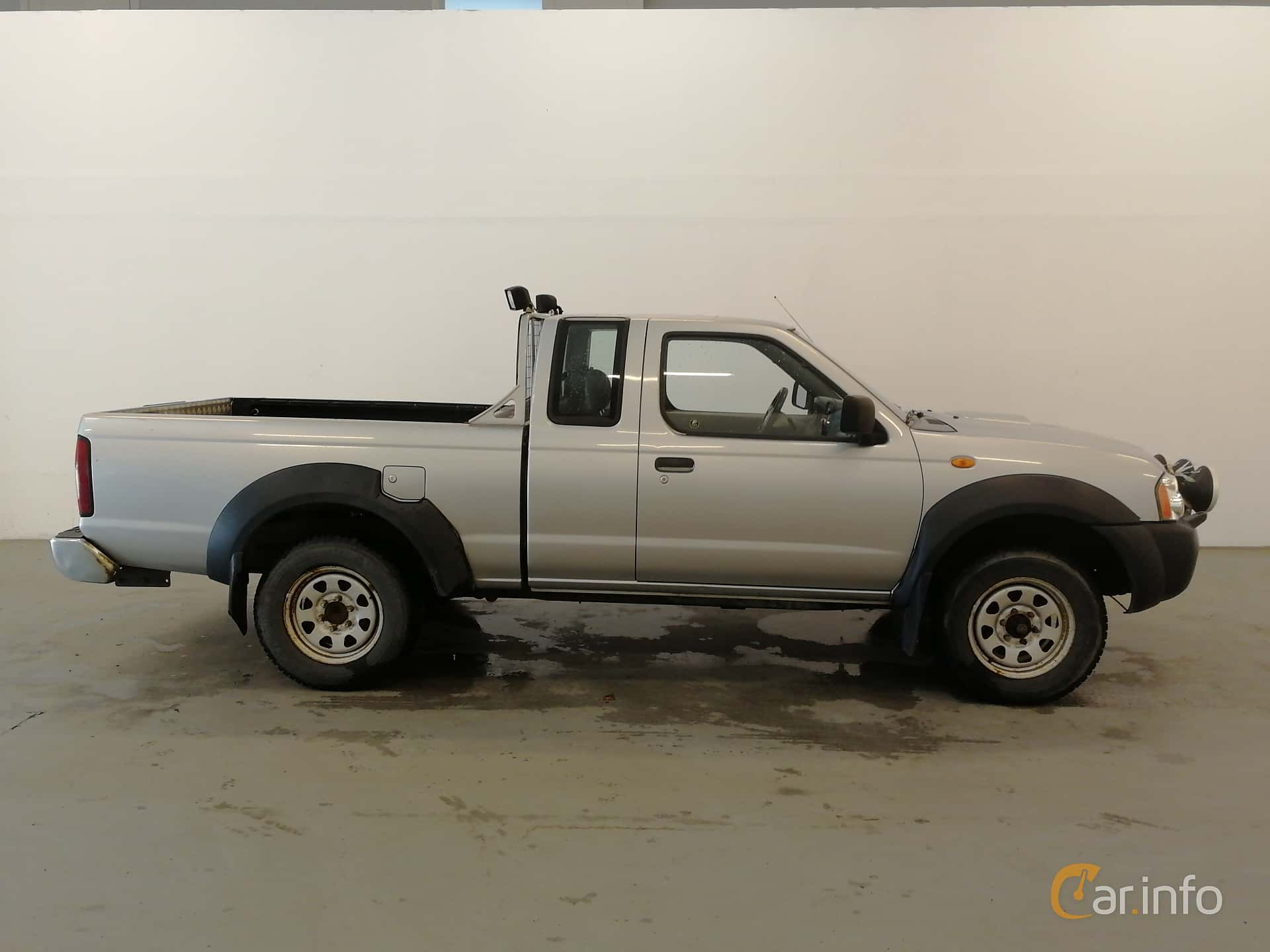 Nissan Navara King Cab generation D22 2 5 4WD Manual, 5-speed