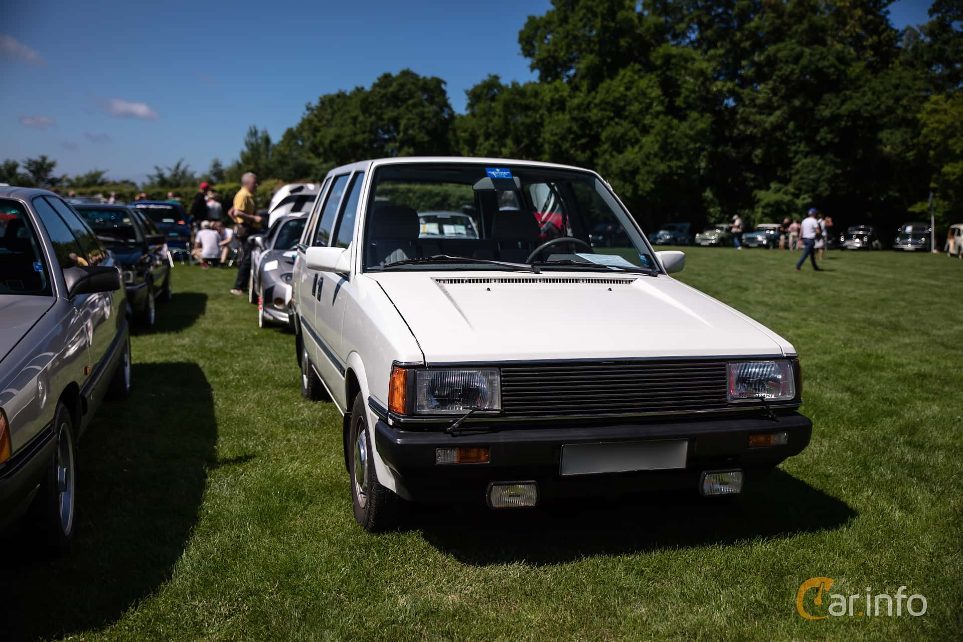 Front/Side  of Nissan Prairie 1.5 Manual, 75ps, 1984 at Sofiero Classic 2017