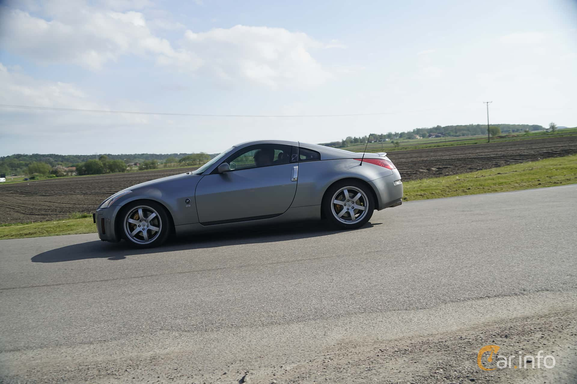 Nissan 350Z 2017 >> 2 Images Of Nissan 350z 3 5 V6 Manual 280hp 2004 By