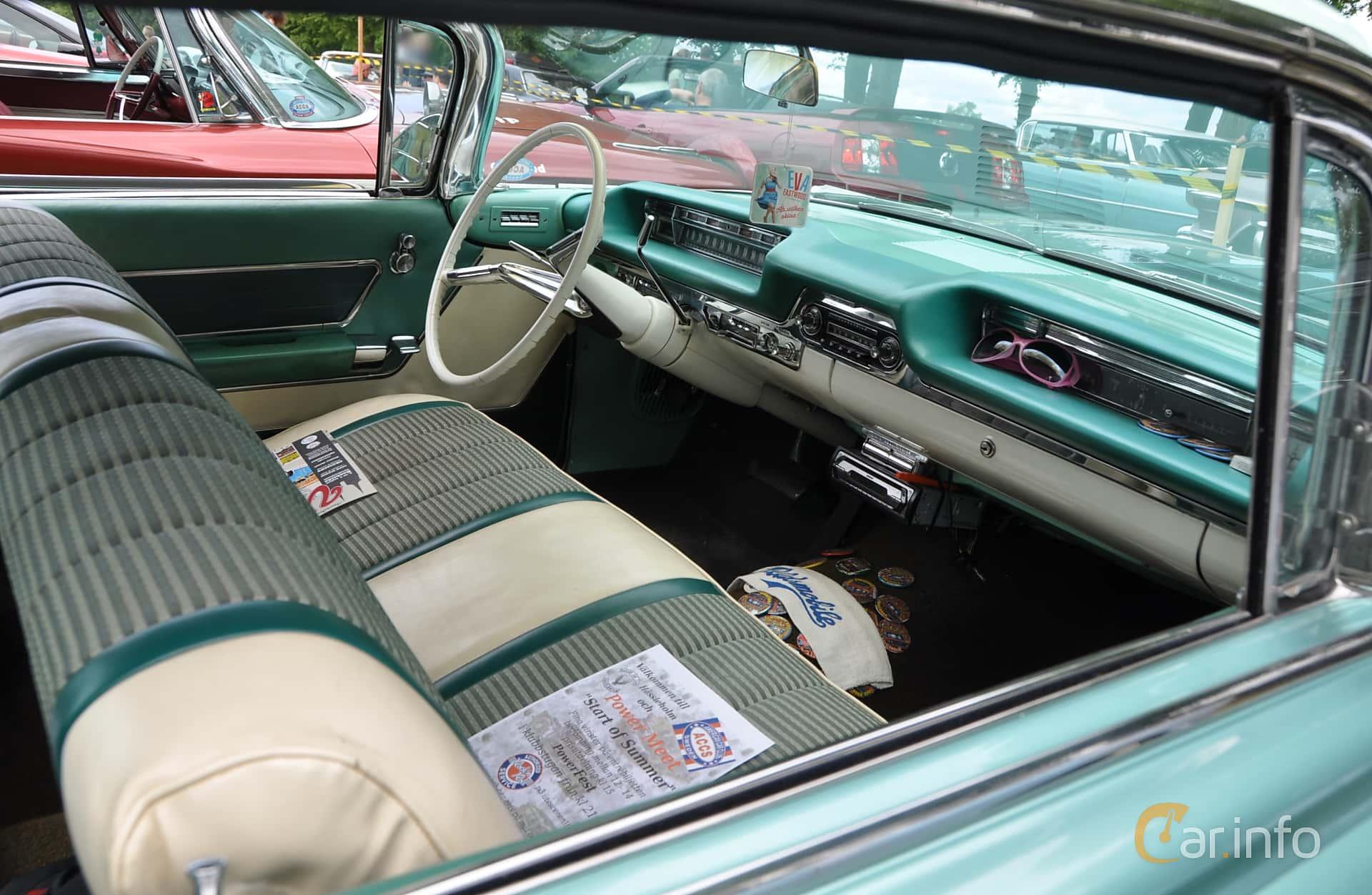 Oldsmobile Ninety-Eight Holiday SceniCoupé 6.5 V8 Hydra-Matic, 320hp, 1959 at Hässleholm Power Start of Summer Meet 2016