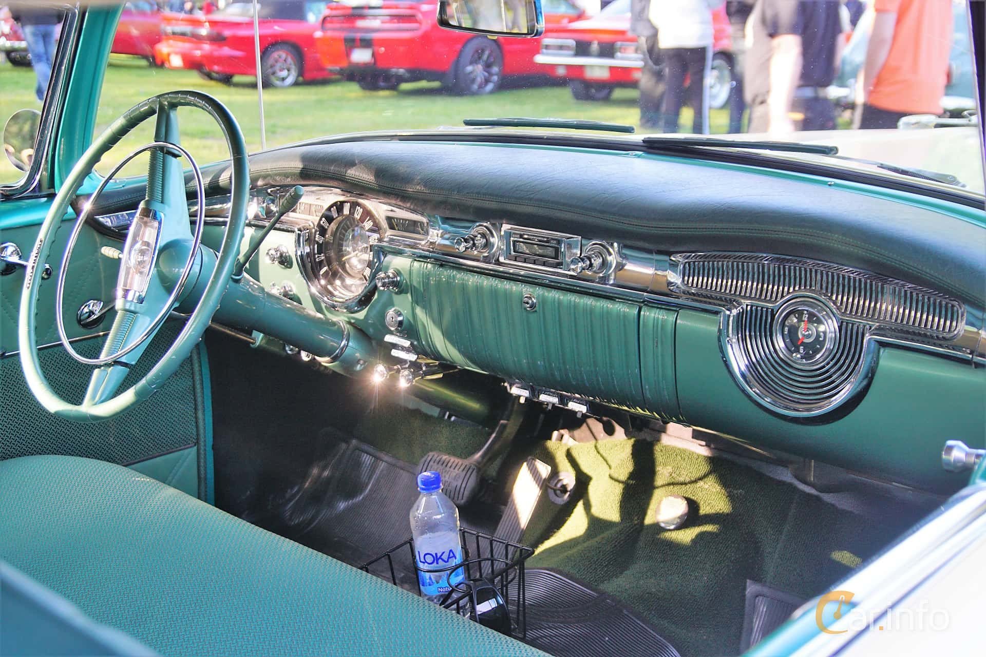 Interior of Oldsmobile Ninety-Eight Holiday Coupé 5.3 V8 Hydra-Matic, 188ps, 1954 at Onsdagsträffar på Gammlia Umeå 2019 vecka 28
