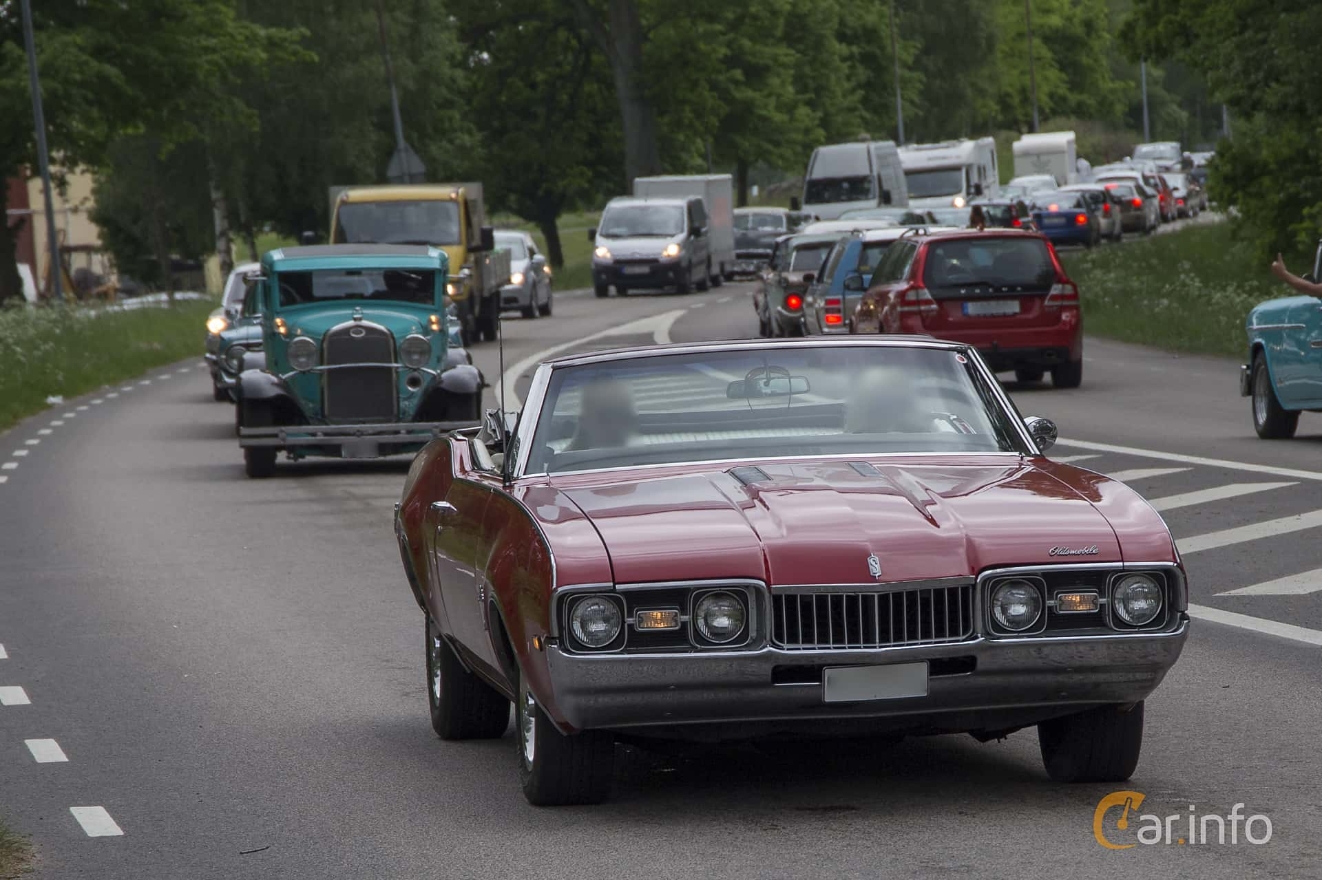 Oldsmobile Cutlass S Convertible 5.7 V8 Automatic, 254hp, 1968 at Hässleholm Power Start of Summer Meet 2016