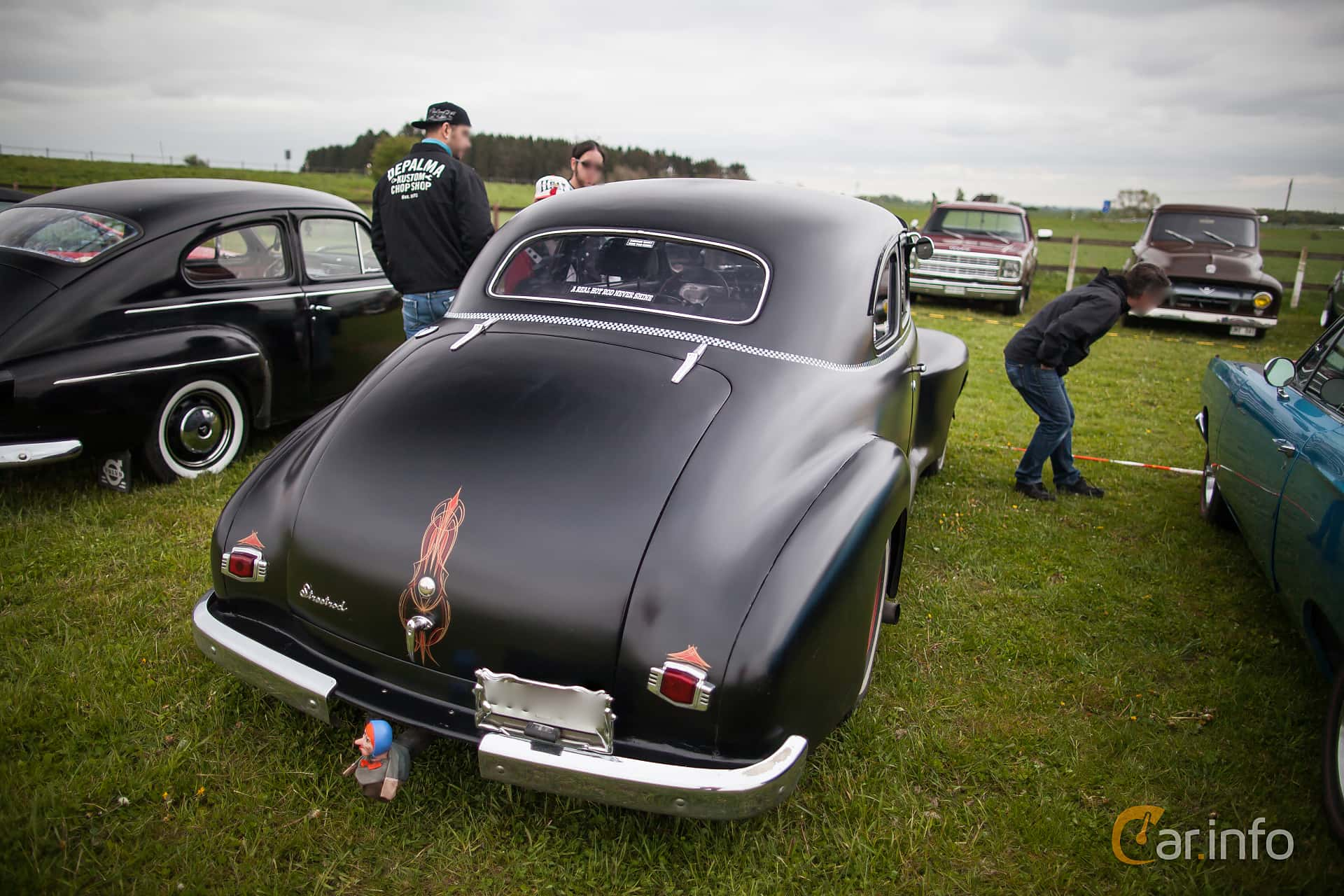 2 Images Of Oldsmobile Special 66 Club Coup 39 Hydra Matic 101hp 1941 Coupe Back 101ps At