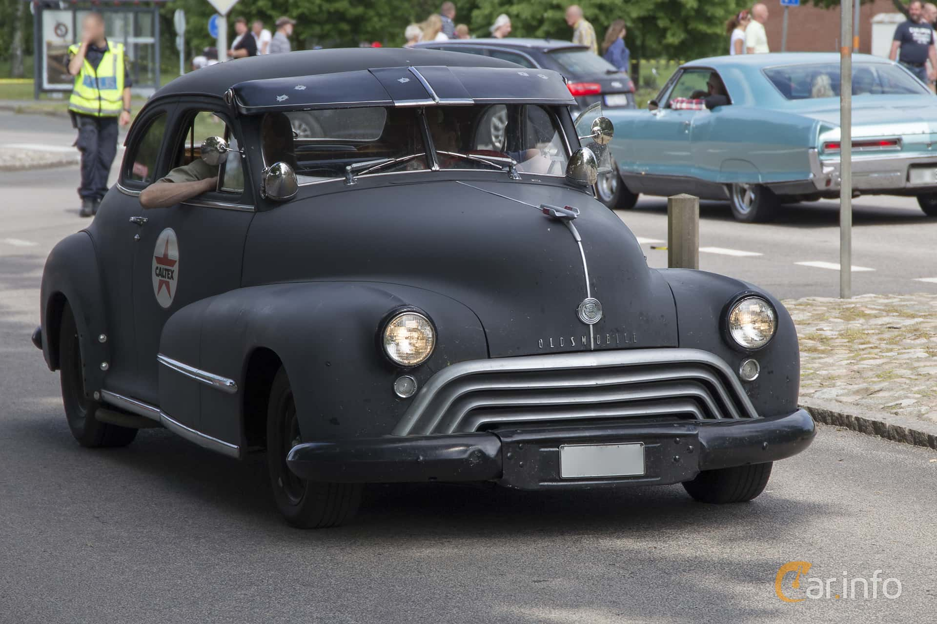 Oldsmobile Dynamic 66 Club Coupé 3.9 Hydra-Matic, 101hp, 1948 at Hässleholm Power Start of Summer Meet 2016