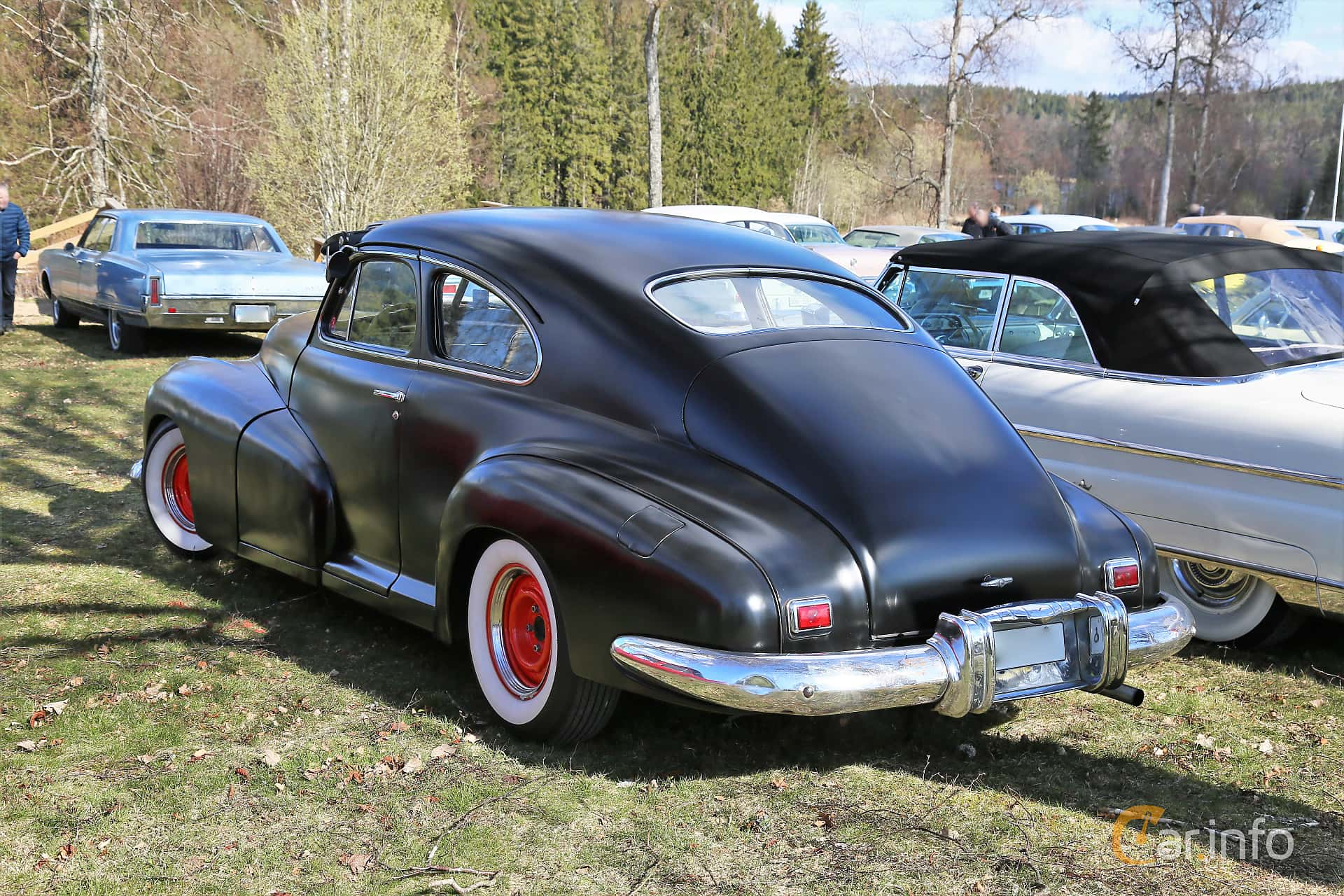 Oldsmobile Dynamic Cruiser 78 Club Sedan 4.2 Hydra-Matic, 112hp, 1947 at Uddevalla Veteranbilsmarknad Backamo, Ljungsk 2019