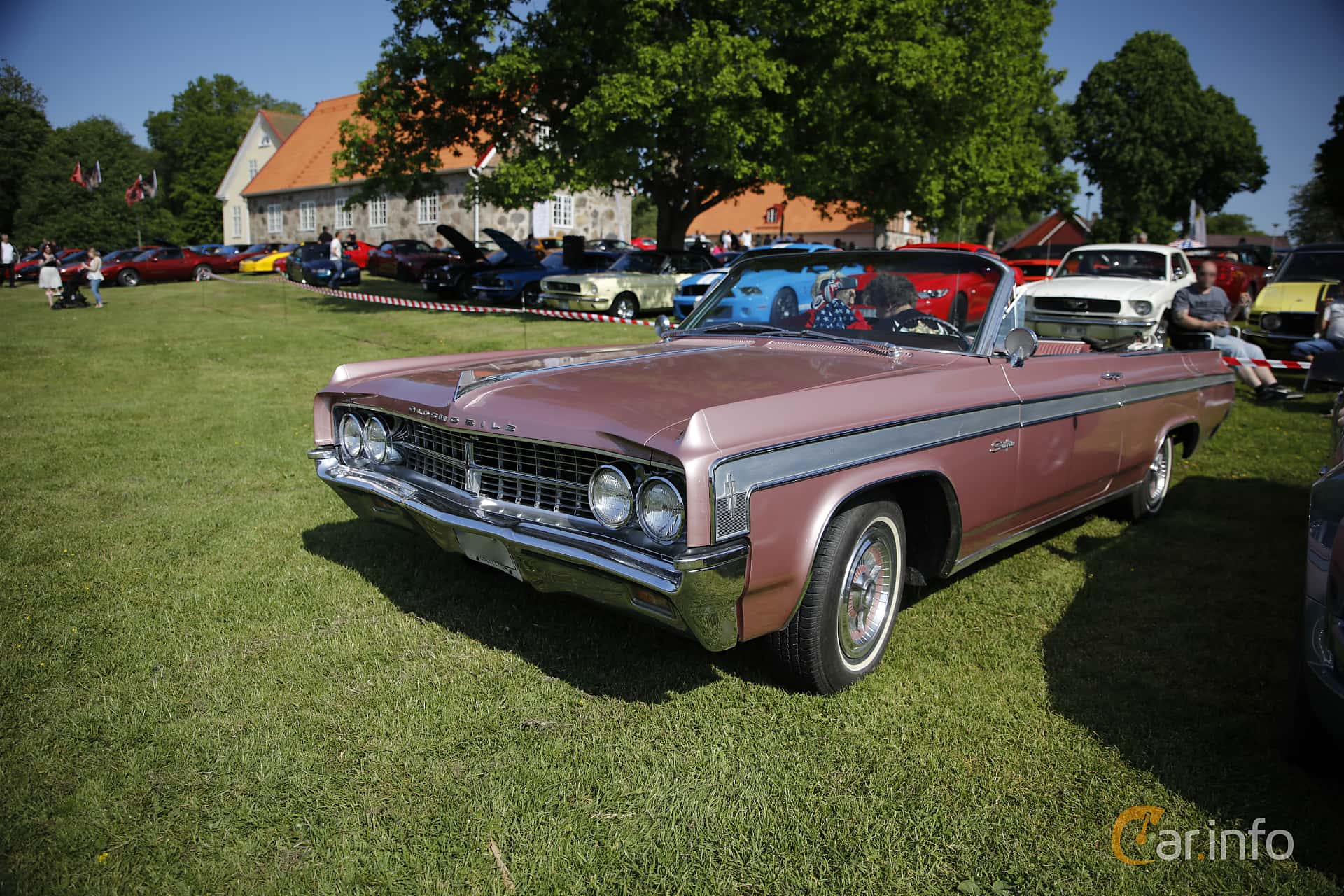 Oldsmobile Starfire Convertible 6.5 V8 Hydra-Matic, 350hp, 1963 at Hässleholm Power Start of Summer Meet 2016