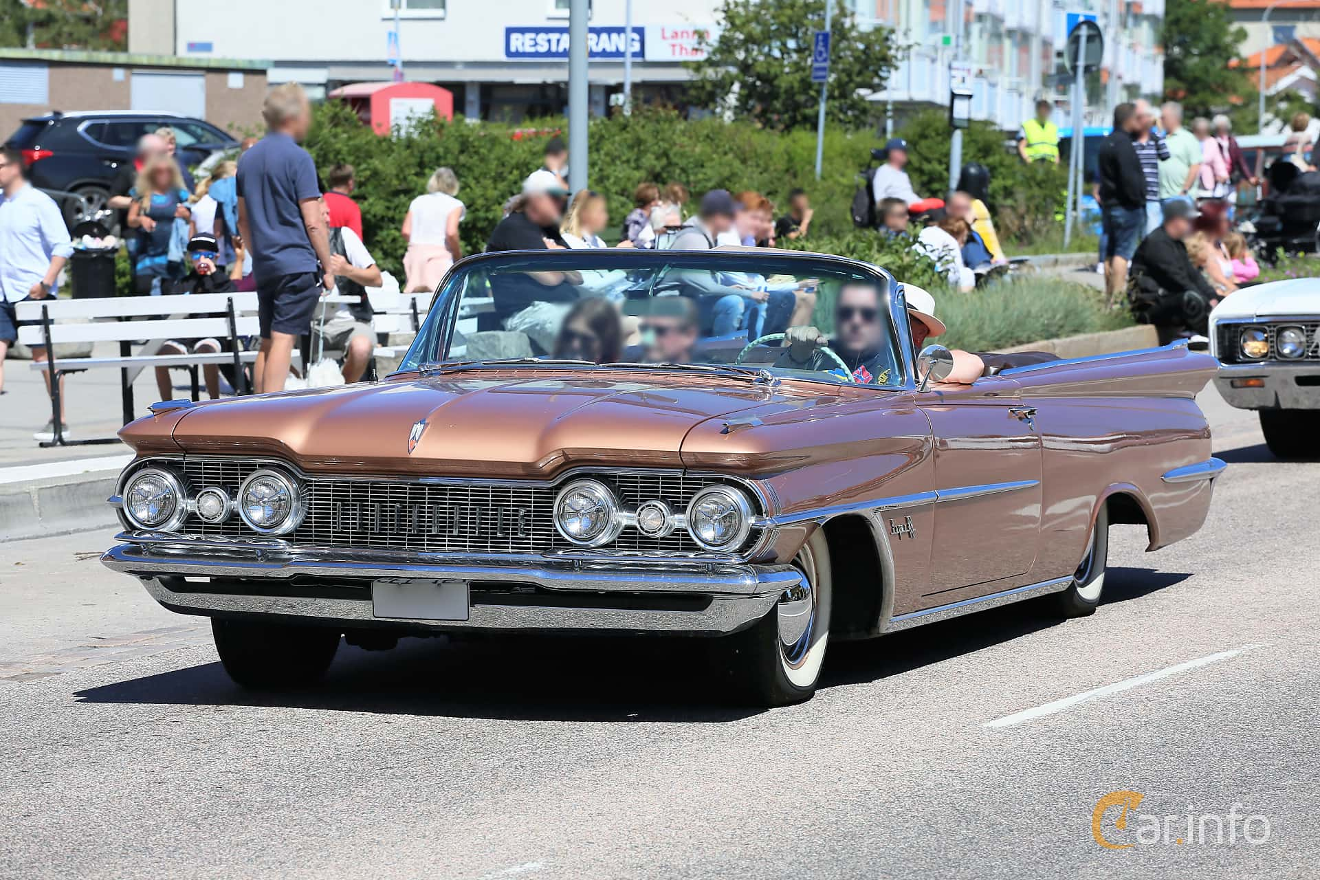 Oldsmobile Super 88 Convertible Coupé 6.5 V8 Hydra-Matic, 320hk, 1959 at Cruising Lysekil 2019