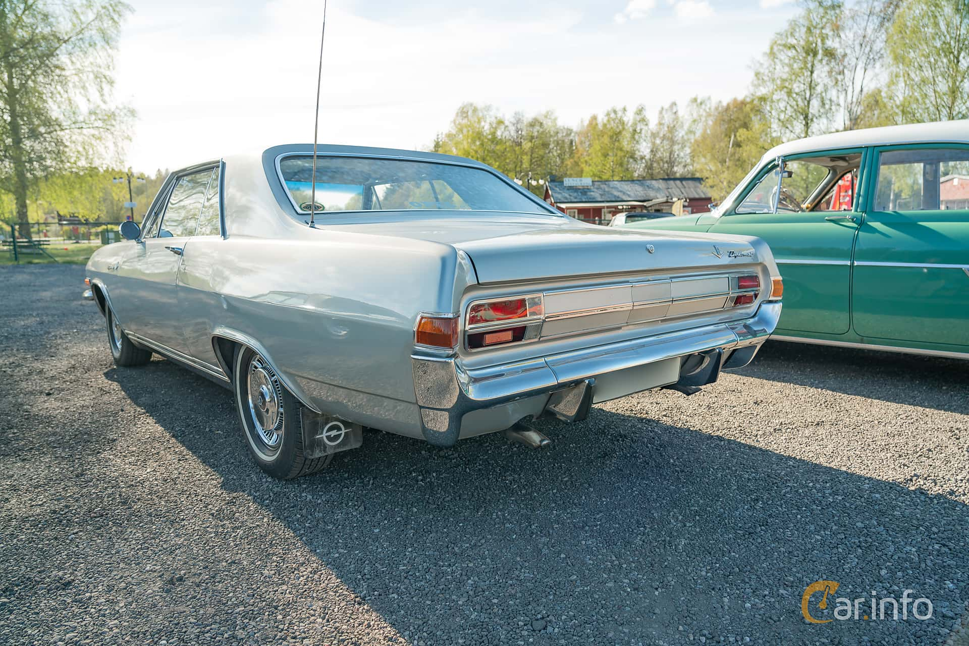 Opel Diplomat 4.6 V8 Manual, 190hp, 1966 at Lissma Classic Car 2019 vecka 20