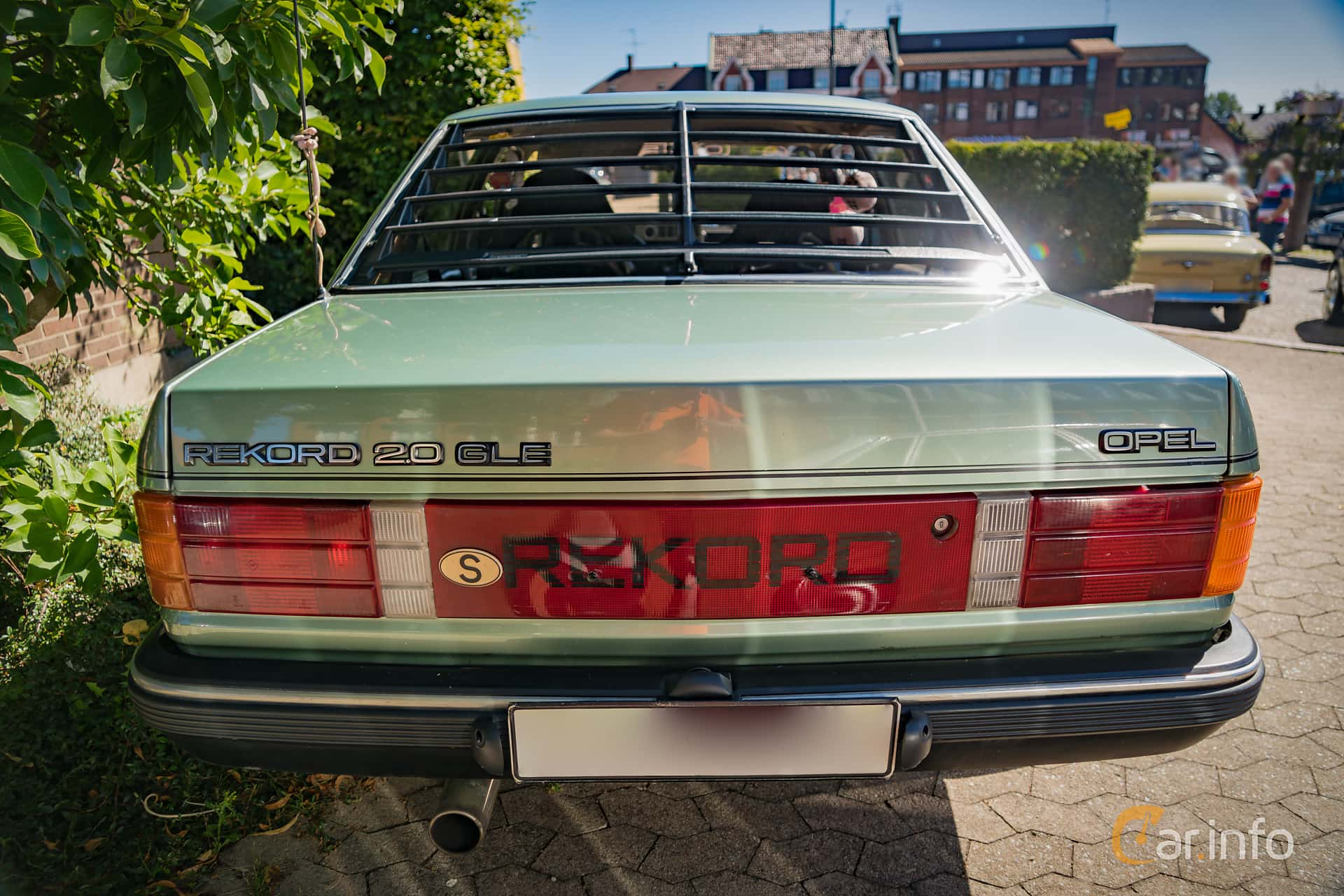 3 images of opel rekord 2 0 e manual 110hp 1983 by marcusliedholm rh car info Opel Rekord E 2000 Opel Rekord 1900