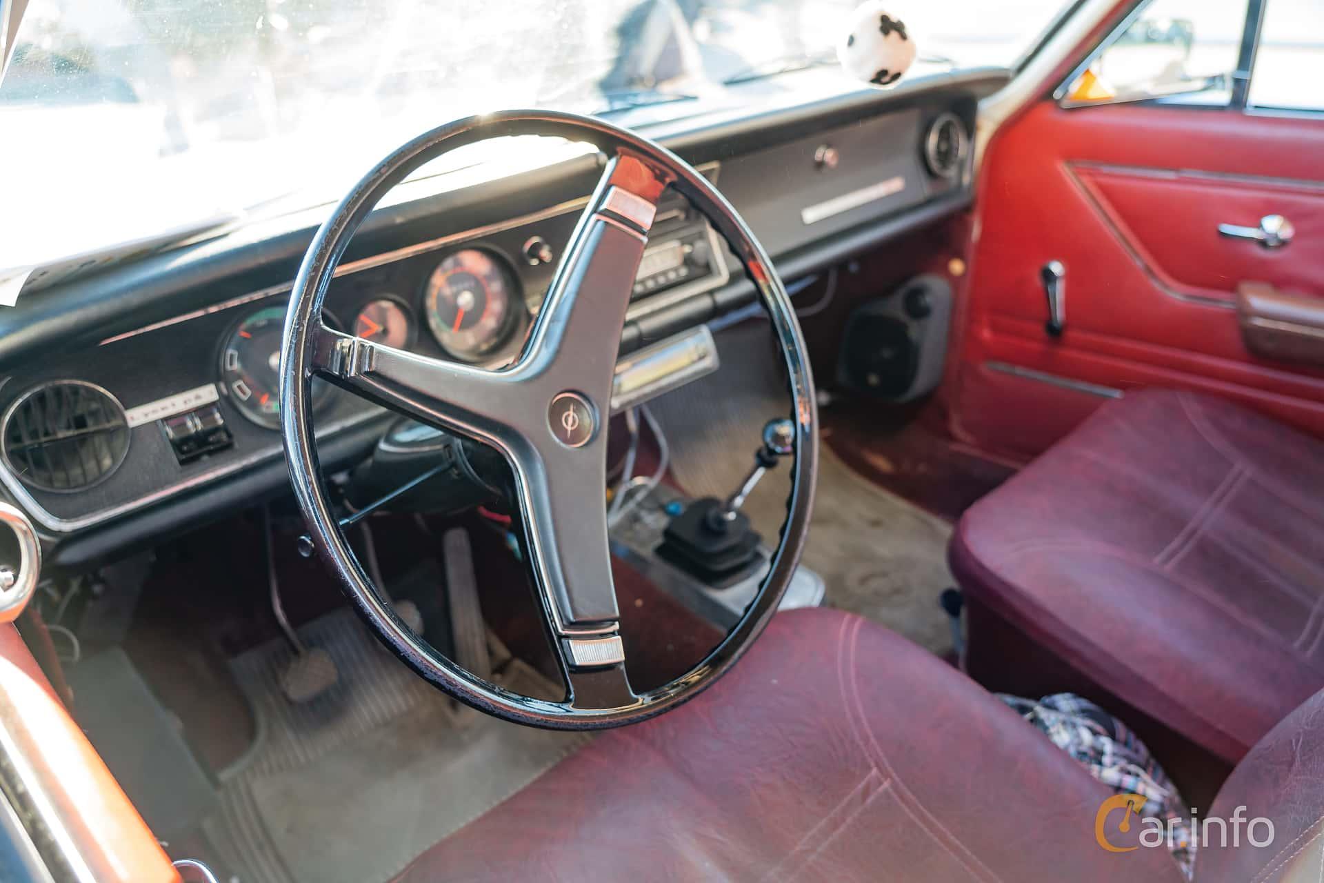 """Opel Rekord Coupé 1.9 S Manual, 90hp, 1969 at Nyköpings hamnträffar 2019 Vecka 20  Tema: """"Kvinnor vid ratten"""""""