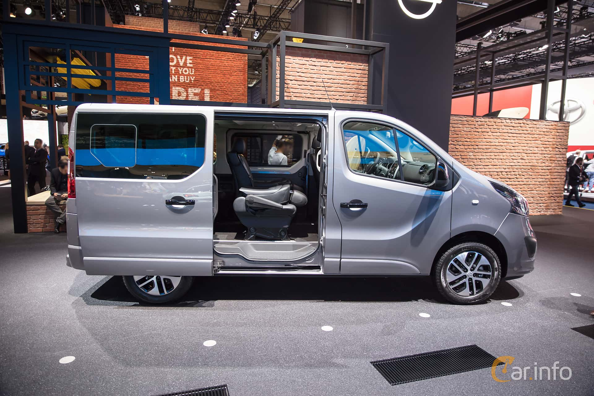 100 Opel Vivaro Interior Prices Are Set New Opel