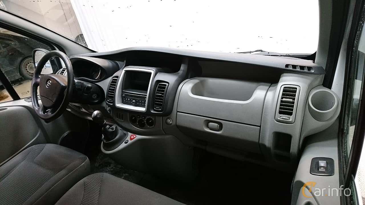 opel-vivaro-van-interior-2-505706.jpg