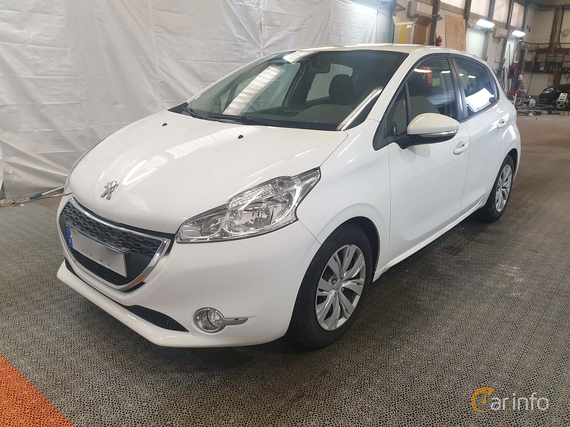 Peugeot 208 5-door 1.6 e-HDi FAP Manual, 92hp, 2015