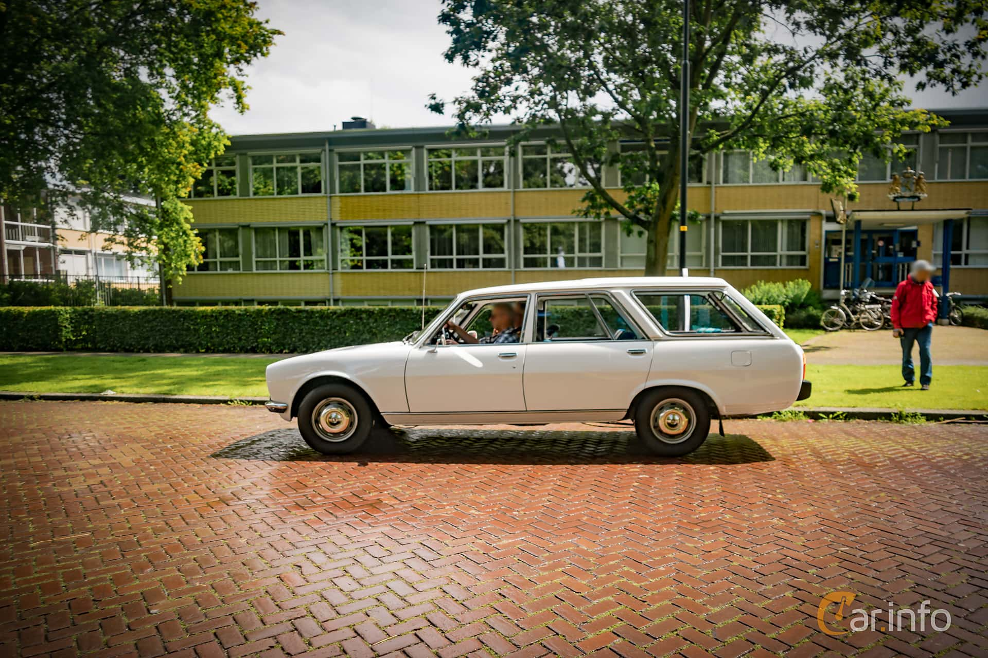 Peugeot 504 Break 1st Generation 1 9 D Manual 4 Speed