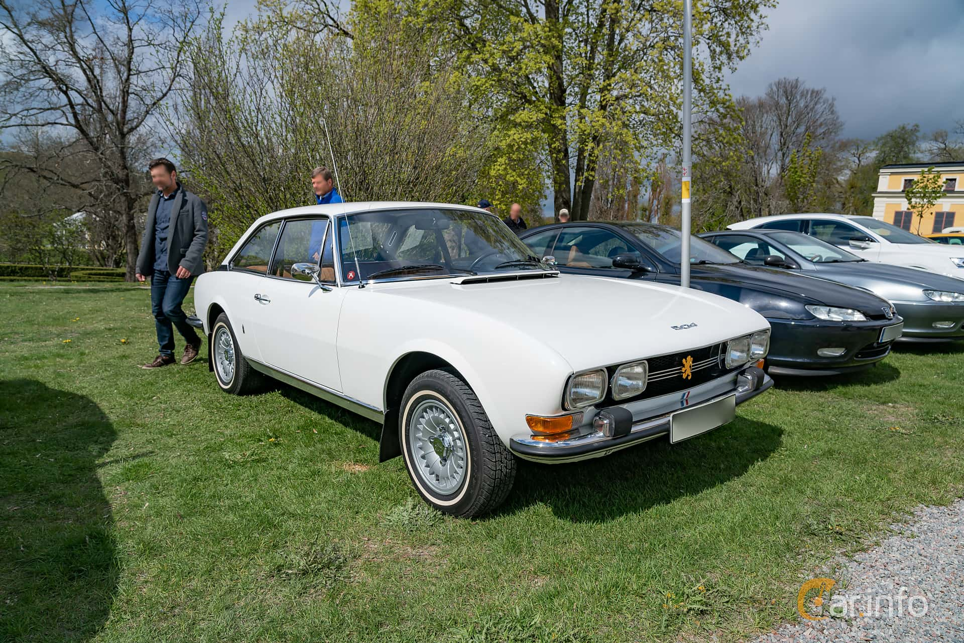 Peugeot 504 Coupé 2.0 Manual, 102hp, 1973 at Fest För Franska Fordon  på Taxinge slott 2019