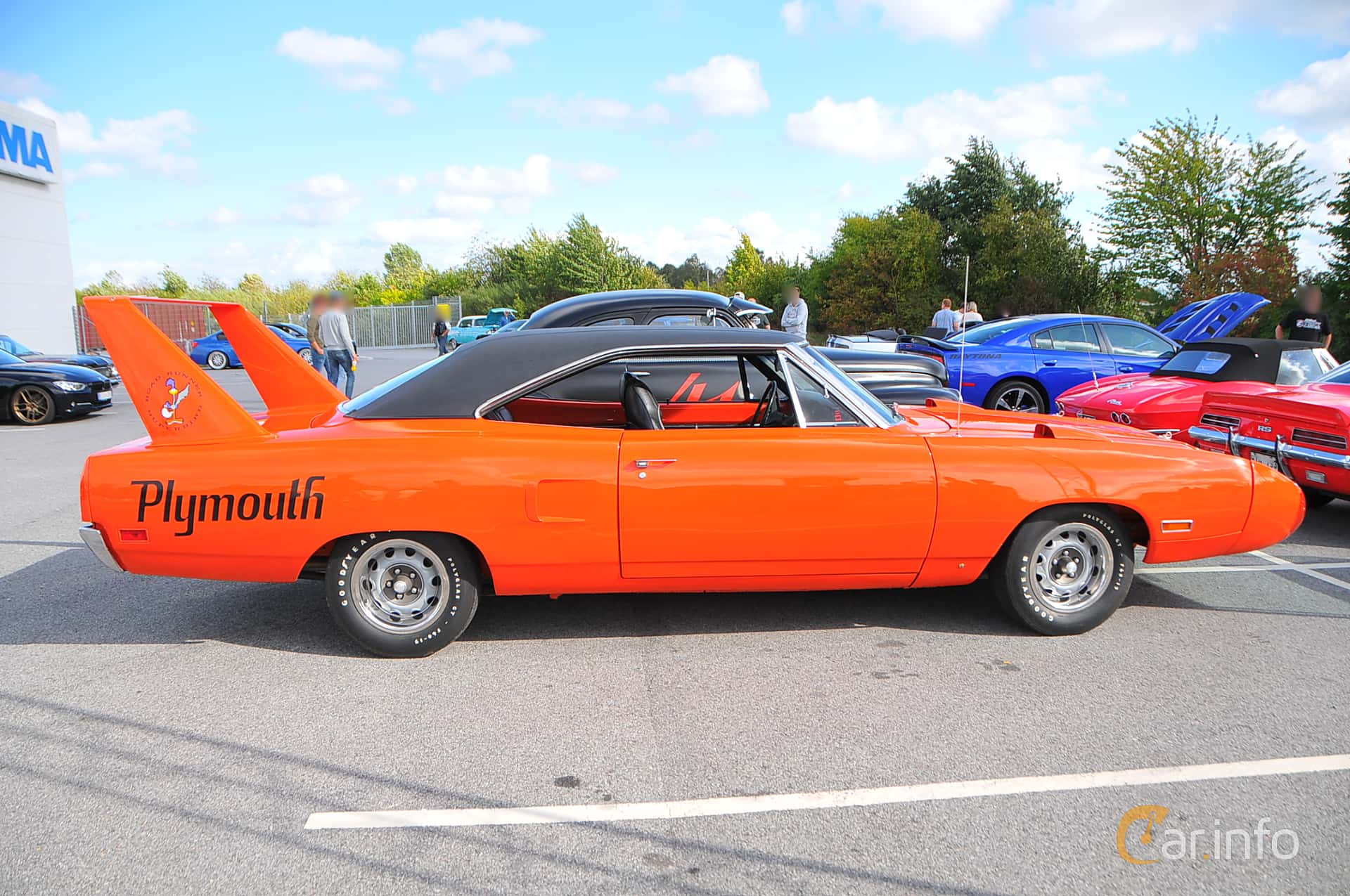 Side  of Plymouth Road Runner Superbird 7.2 V8 TorqueFlite, 375ps, 1970 at Biltema Gatbilar Lund 2018