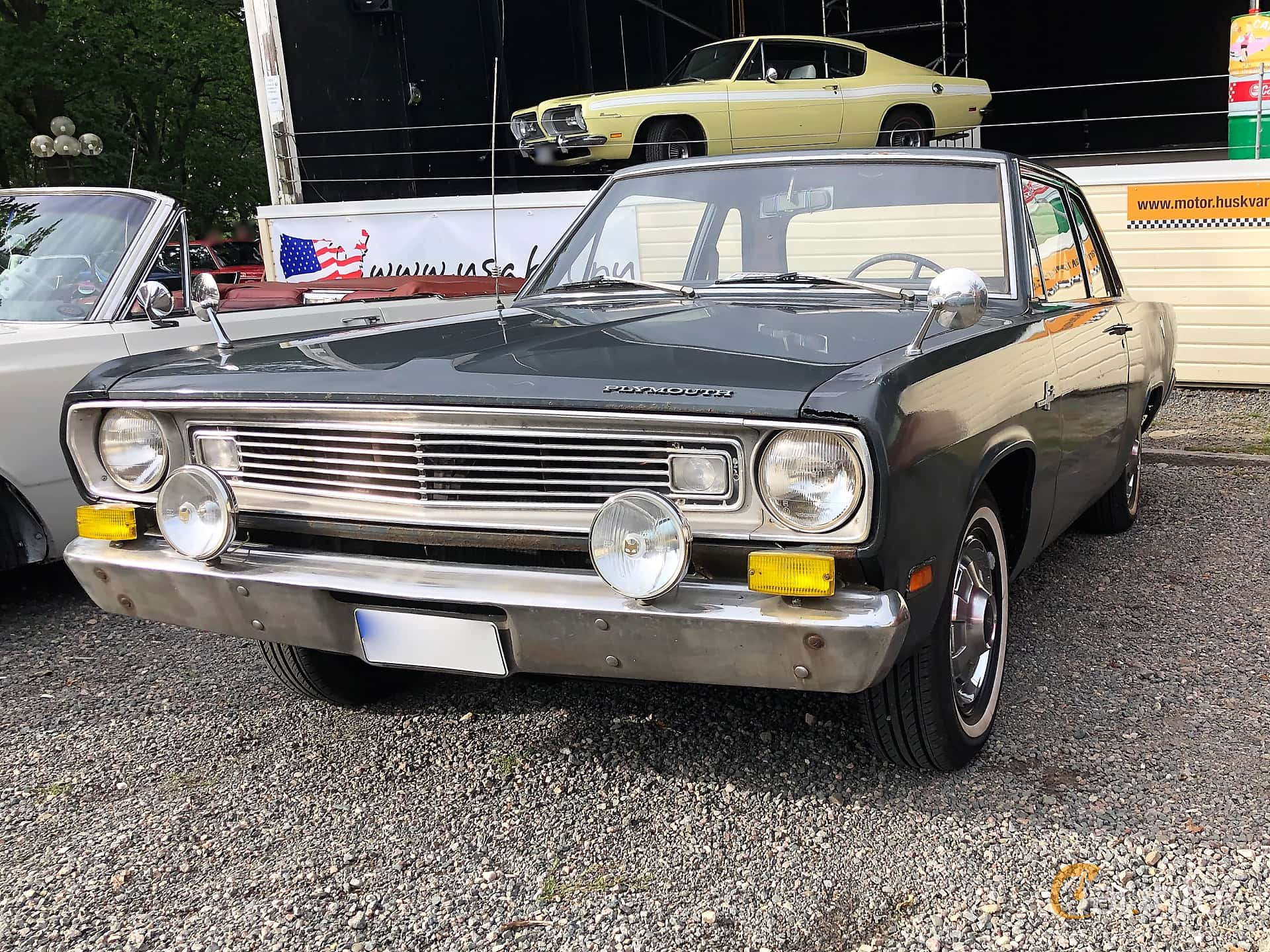 Plymouth Valiant 2-door Sedan 2.8 TorqueFlite, 117hp, 1969 at Bil & MC-träffar i Huskvarna Folkets Park 2019 vecka 32 tema Hot Rods
