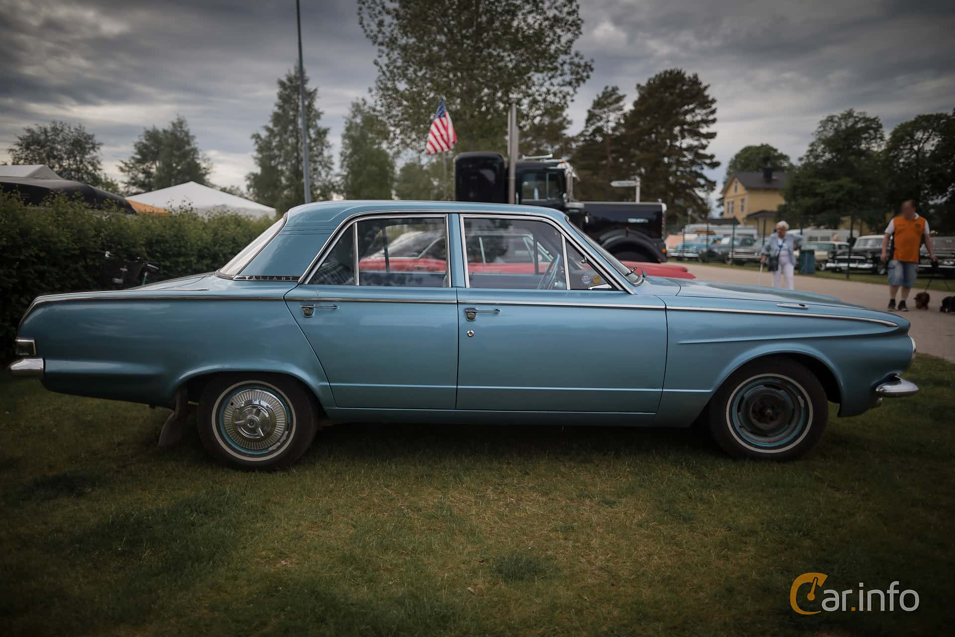Plymouth Valiant Sedan 2.8 Manual, 102hp, 1963 at Nostalgifestivalen i Vårgårda 2015