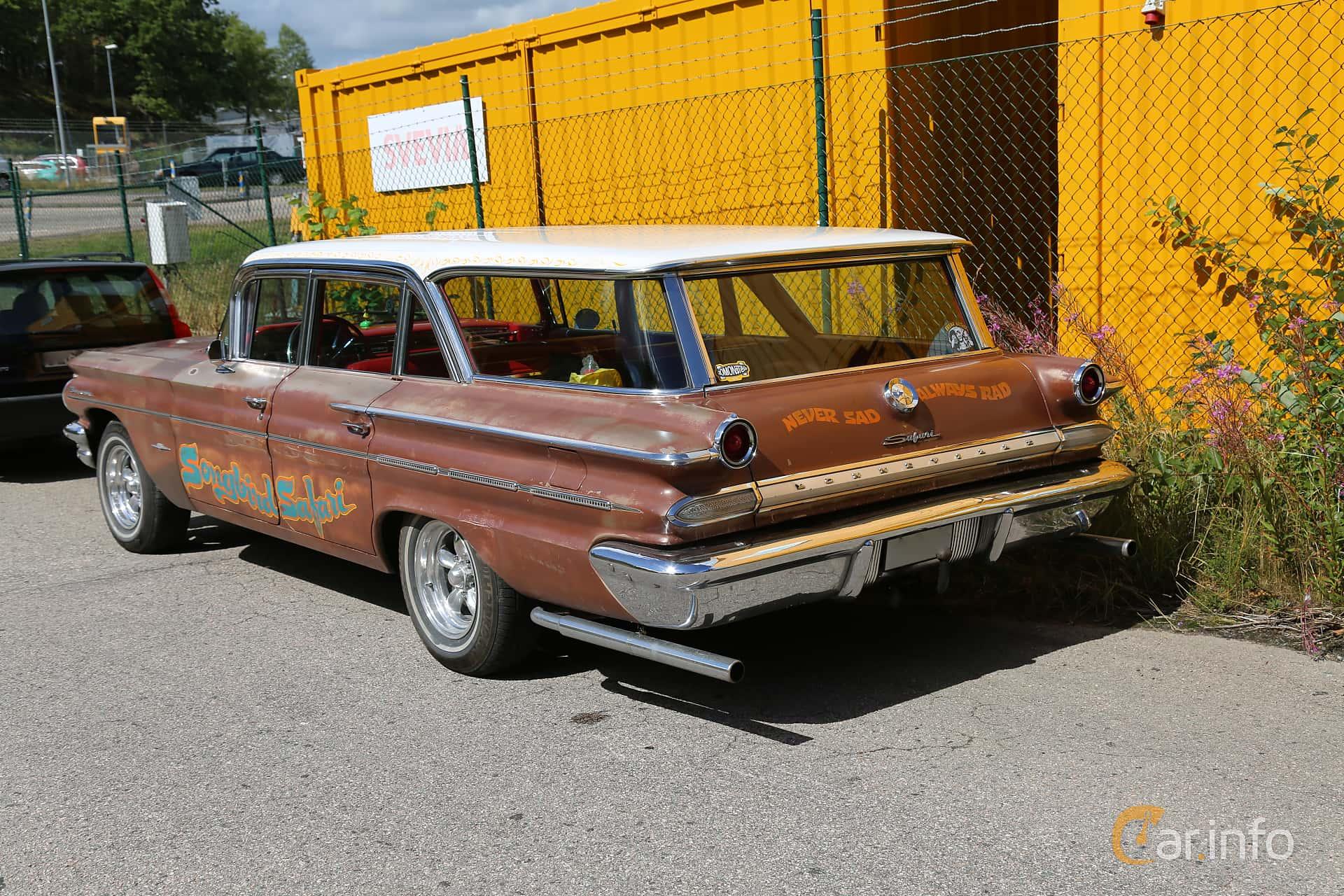2 Images Of Pontiac Bonneville Station Wagon 64 V8 Automatic 305hp 1960 Back Side 305ps